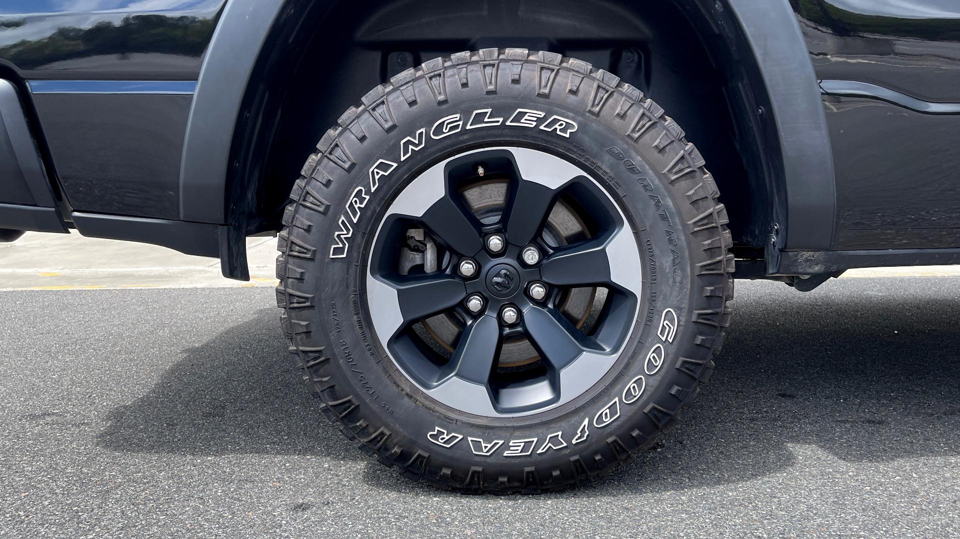 Used 2019 Ram 1500 REBEL QUADCAB 4X4 / 5.7L HEMI / 8-SPD AUTO / REMOTE START / PARK ASSIST for sale $44,495 at Formula Imports in Charlotte NC 28227 71