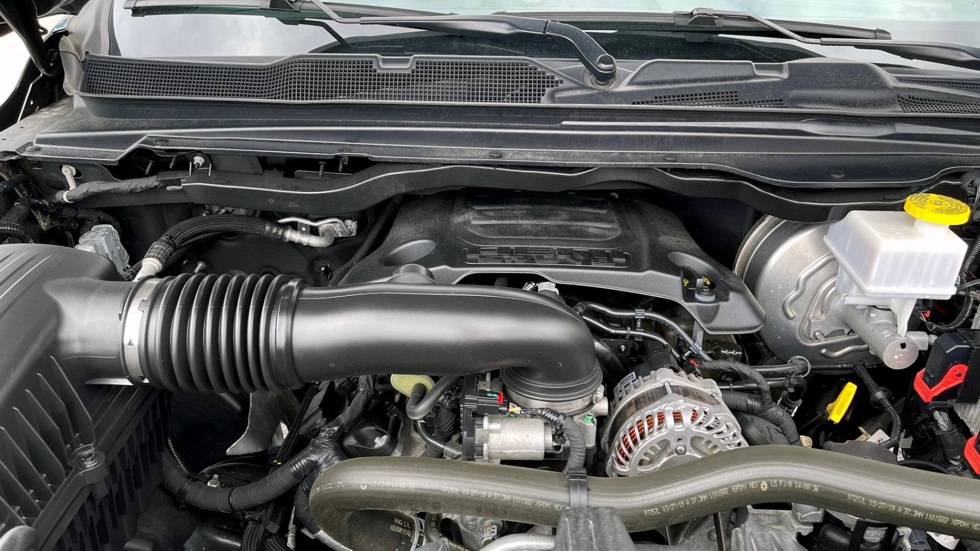 Used 2019 Ram 1500 REBEL QUADCAB 4X4 / 5.7L HEMI / 8-SPD AUTO / REMOTE START / PARK ASSIST for sale $44,495 at Formula Imports in Charlotte NC 28227 9