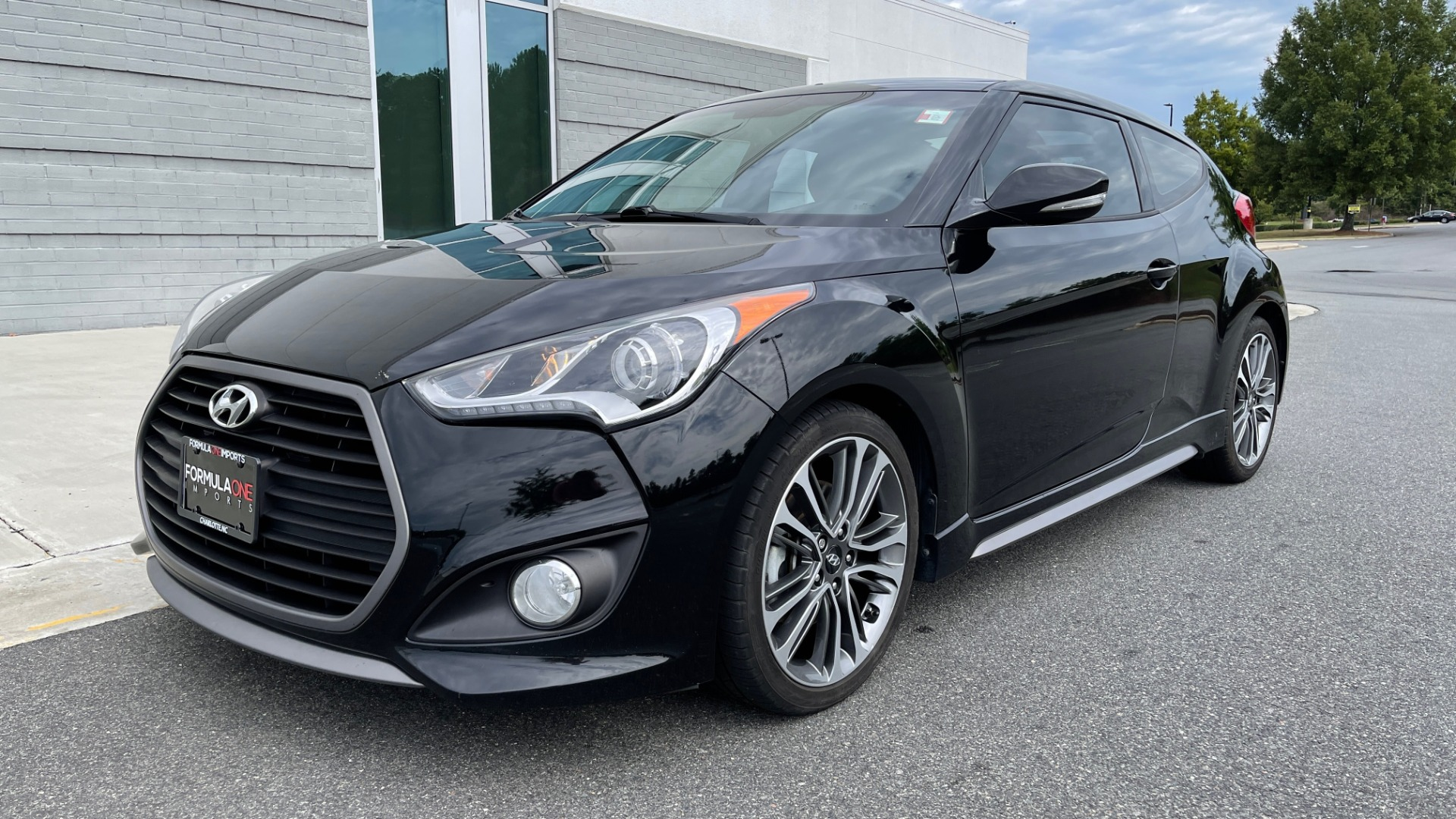 Used 2016 Hyundai VELOSTER TURBO 1.6L / AUTO / NAV / PANO-ROOF / REARVIEW for sale Sold at Formula Imports in Charlotte NC 28227 3