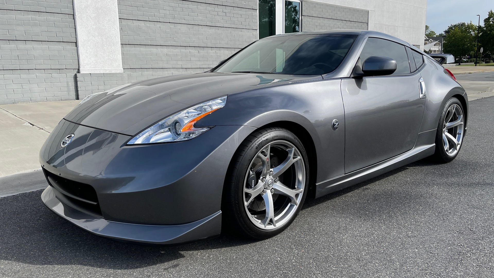Used 2011 Nissan 370Z NISMO COUPE / 3.7L V6 / 6-SPD MAN / AUTO CLIMATE CONTROL for sale $32,995 at Formula Imports in Charlotte NC 28227 3