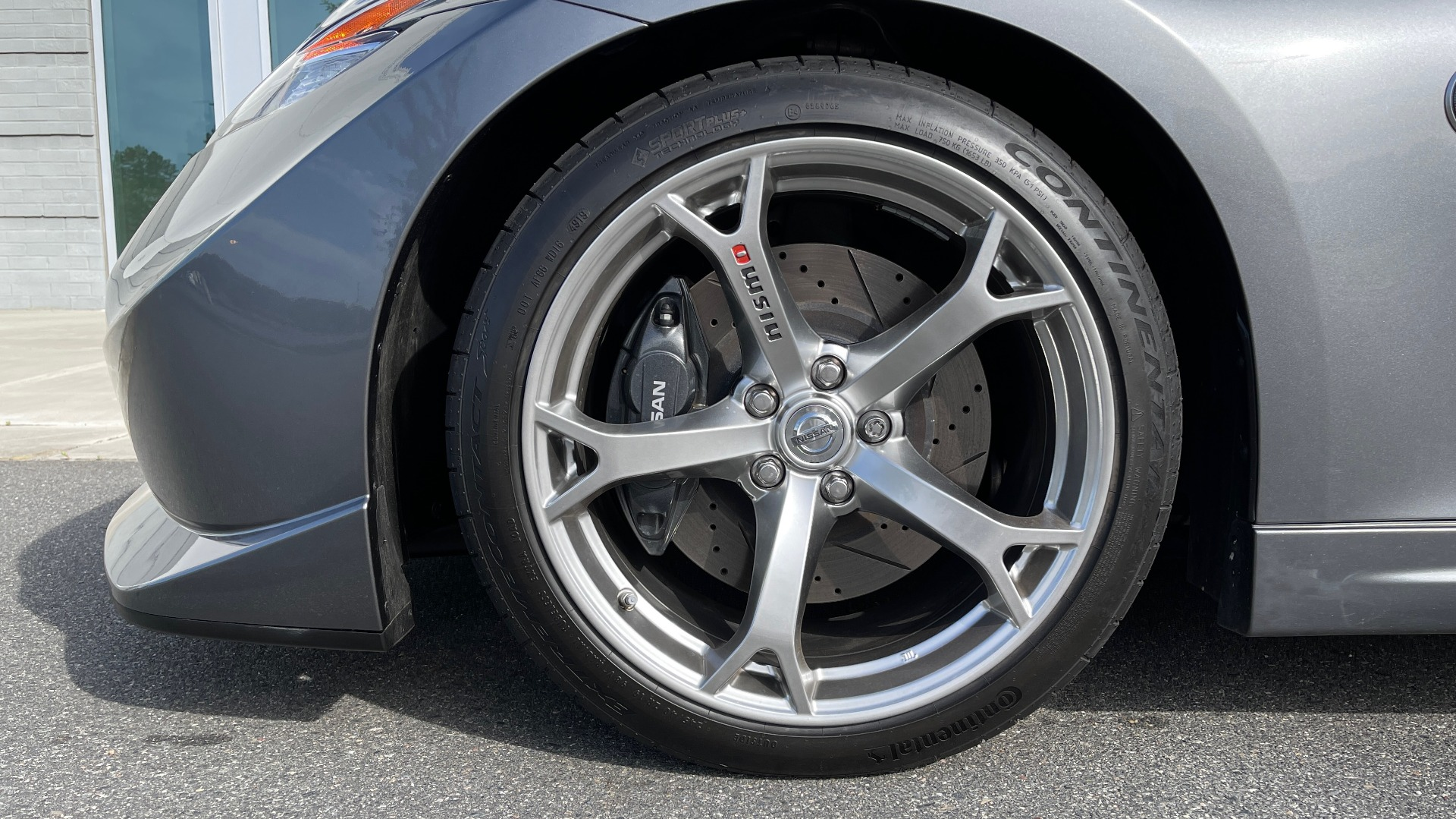 Used 2011 Nissan 370Z NISMO COUPE / 3.7L V6 / 6-SPD MAN / AUTO CLIMATE CONTROL for sale $32,995 at Formula Imports in Charlotte NC 28227 48