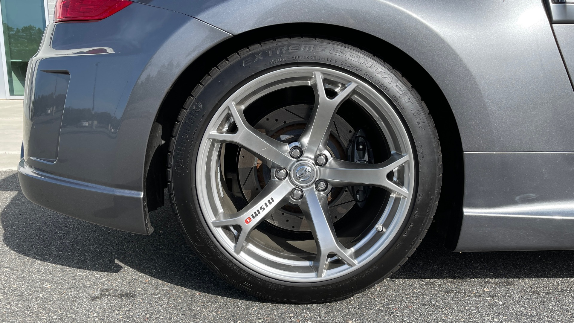 Used 2011 Nissan 370Z NISMO COUPE / 3.7L V6 / 6-SPD MAN / AUTO CLIMATE CONTROL for sale $32,995 at Formula Imports in Charlotte NC 28227 50
