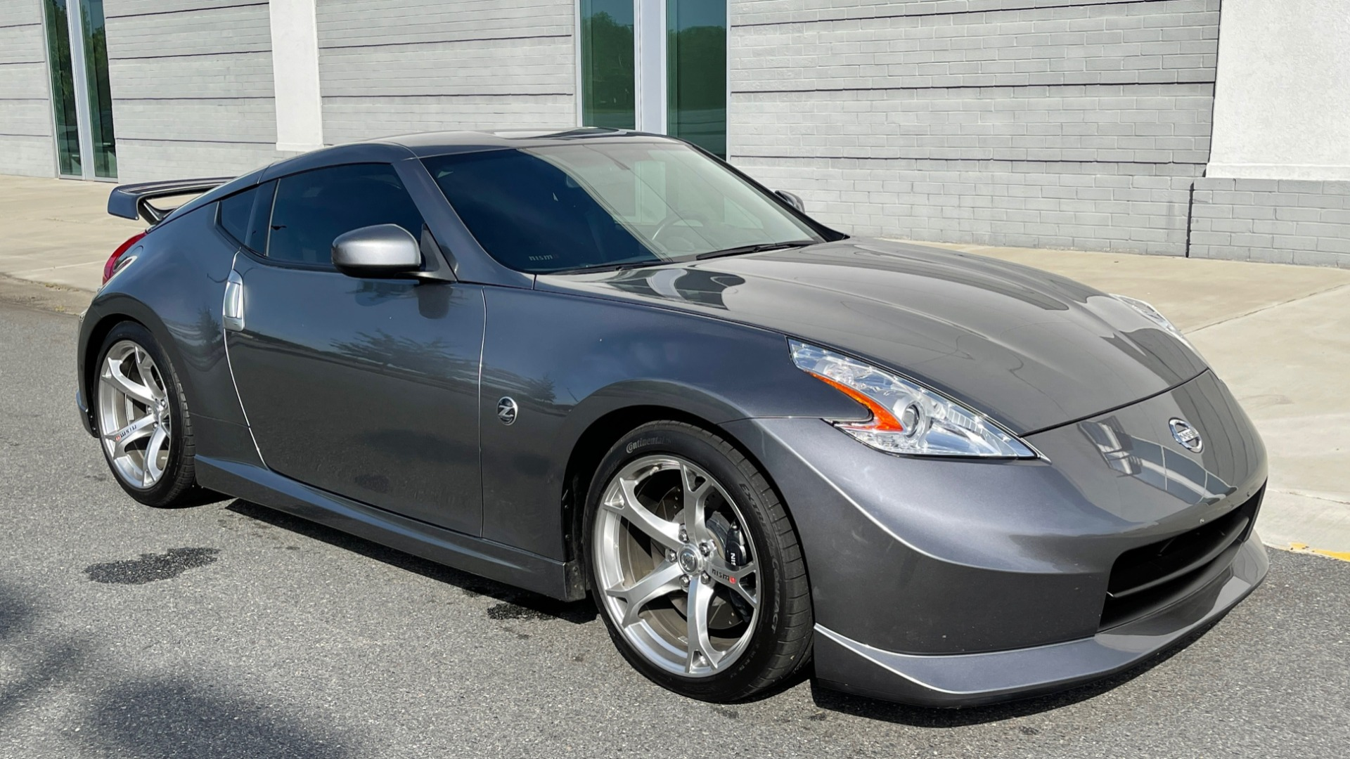 Used 2011 Nissan 370Z NISMO COUPE / 3.7L V6 / 6-SPD MAN / AUTO CLIMATE CONTROL for sale $32,995 at Formula Imports in Charlotte NC 28227 6