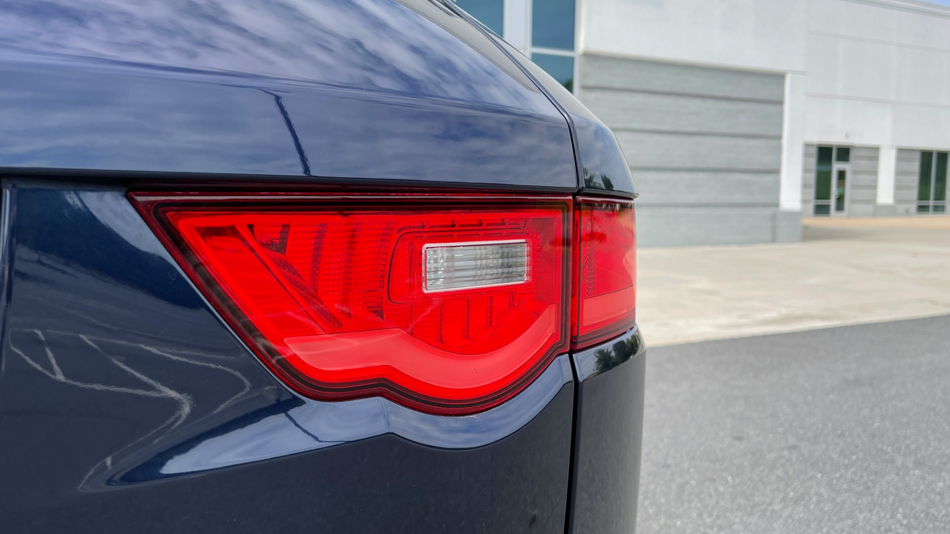 Used 2019 Jaguar F-PACE S / DRIVE PKG / BSA / HUD / BLACK EXT PKG / REARVIEW for sale $50,995 at Formula Imports in Charlotte NC 28227 24