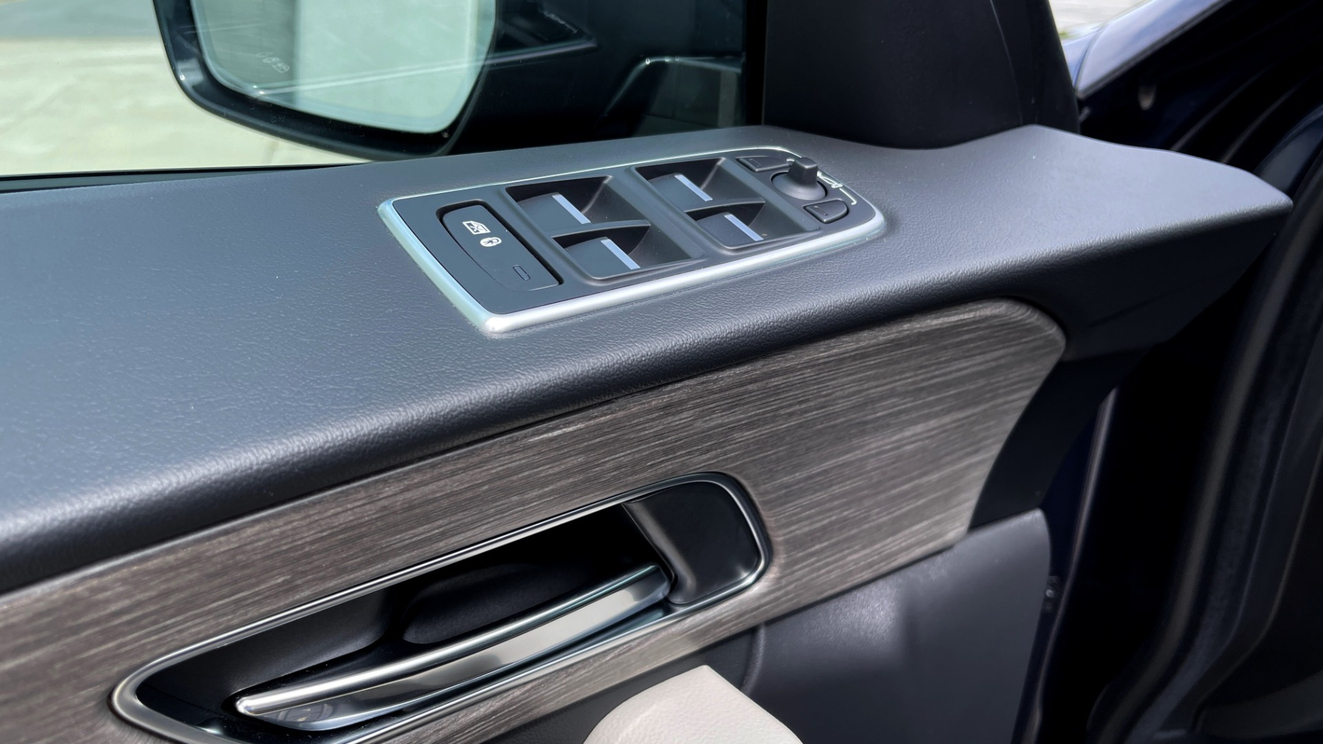 Used 2019 Jaguar F-PACE S / DRIVE PKG / BSA / HUD / BLACK EXT PKG / REARVIEW for sale $50,995 at Formula Imports in Charlotte NC 28227 26