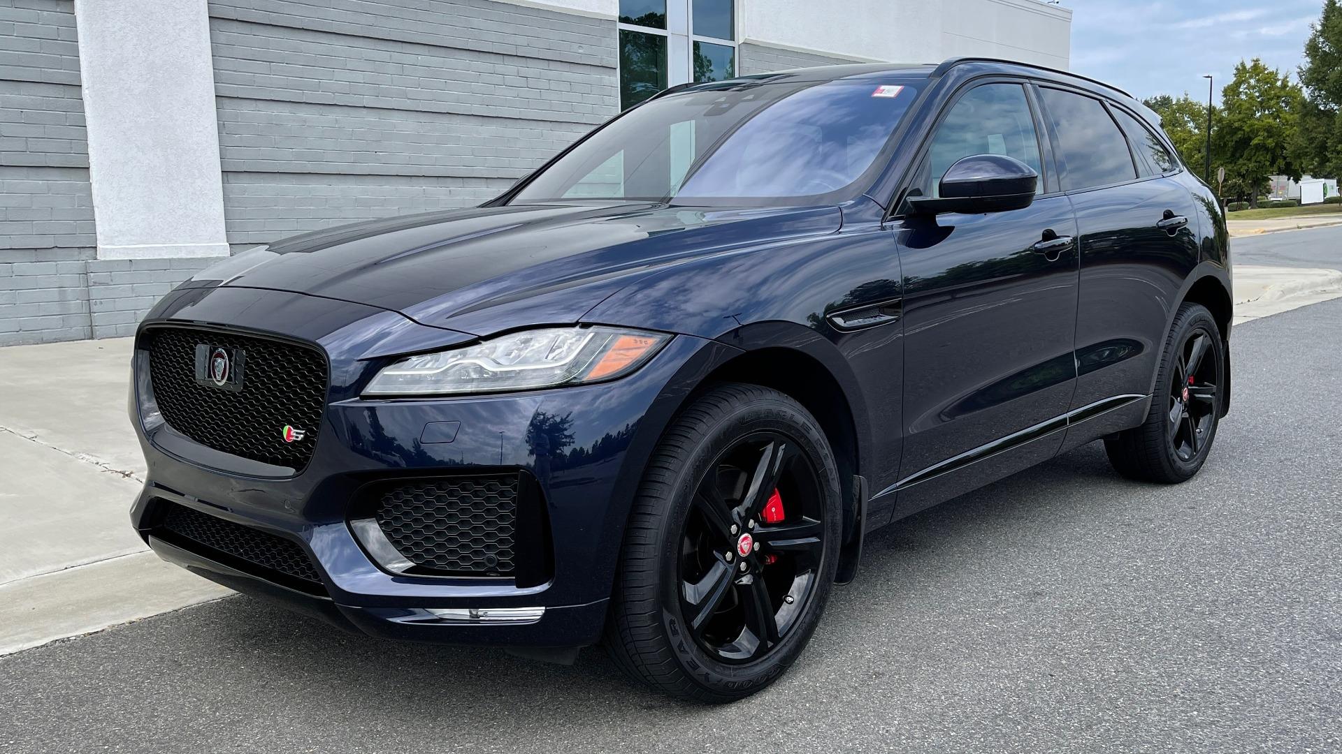 Used 2019 Jaguar F-PACE S / DRIVE PKG / BSA / HUD / BLACK EXT PKG / REARVIEW for sale $50,995 at Formula Imports in Charlotte NC 28227 3