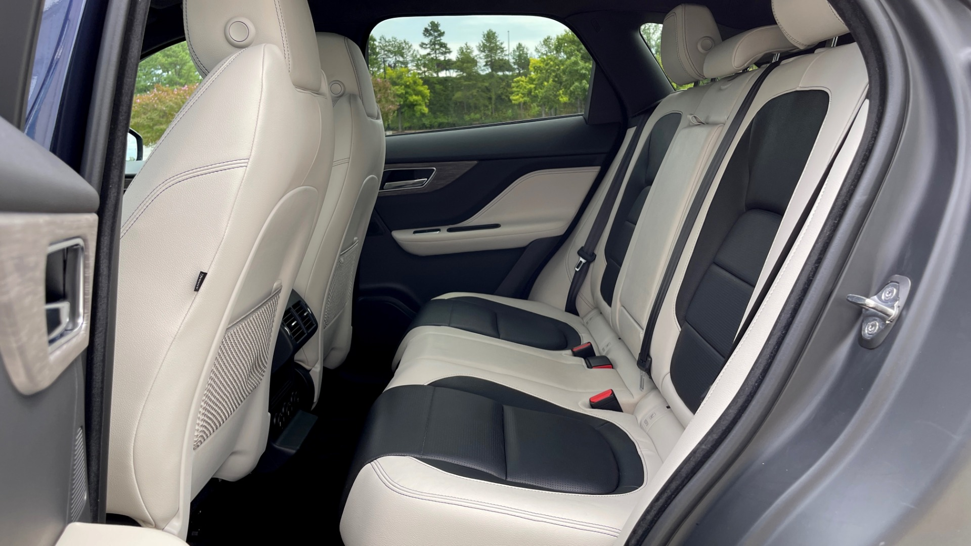 Used 2019 Jaguar F-PACE S / DRIVE PKG / BSA / HUD / BLACK EXT PKG / REARVIEW for sale $50,995 at Formula Imports in Charlotte NC 28227 51