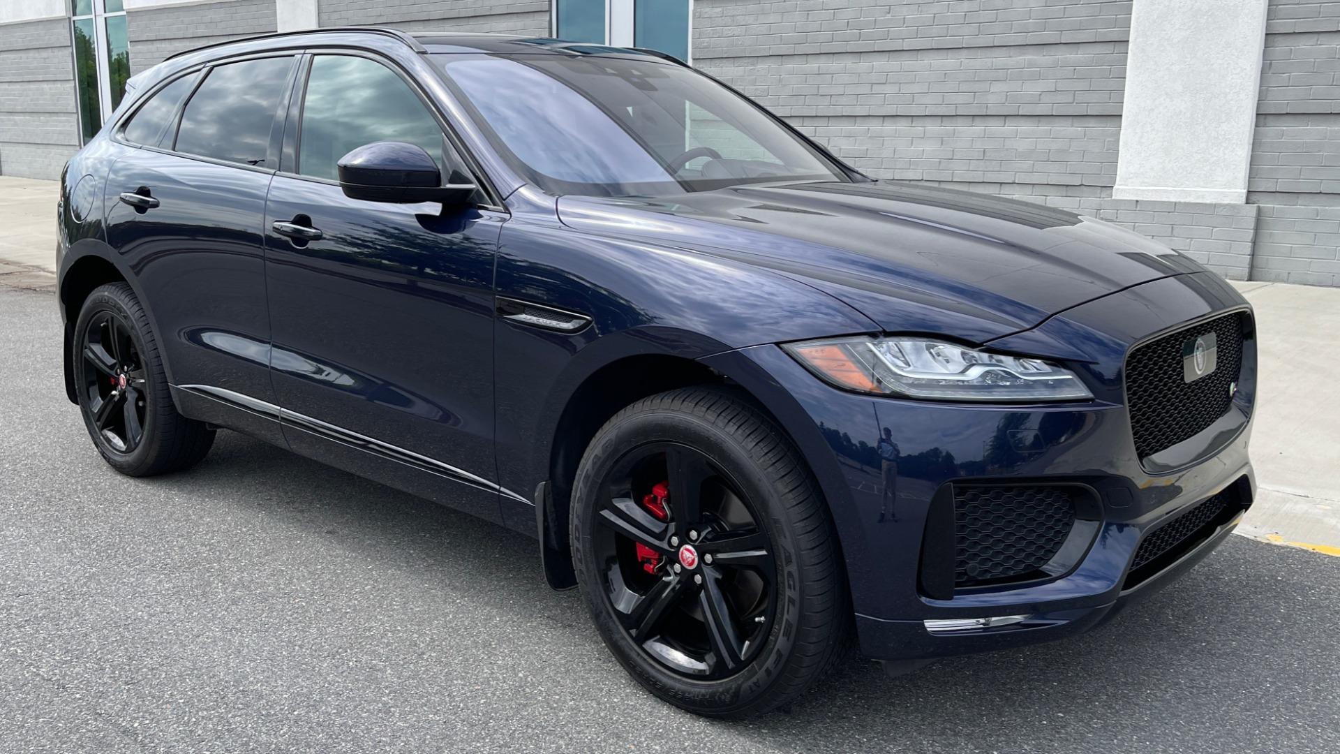 Used 2019 Jaguar F-PACE S / DRIVE PKG / BSA / HUD / BLACK EXT PKG / REARVIEW for sale $50,995 at Formula Imports in Charlotte NC 28227 6