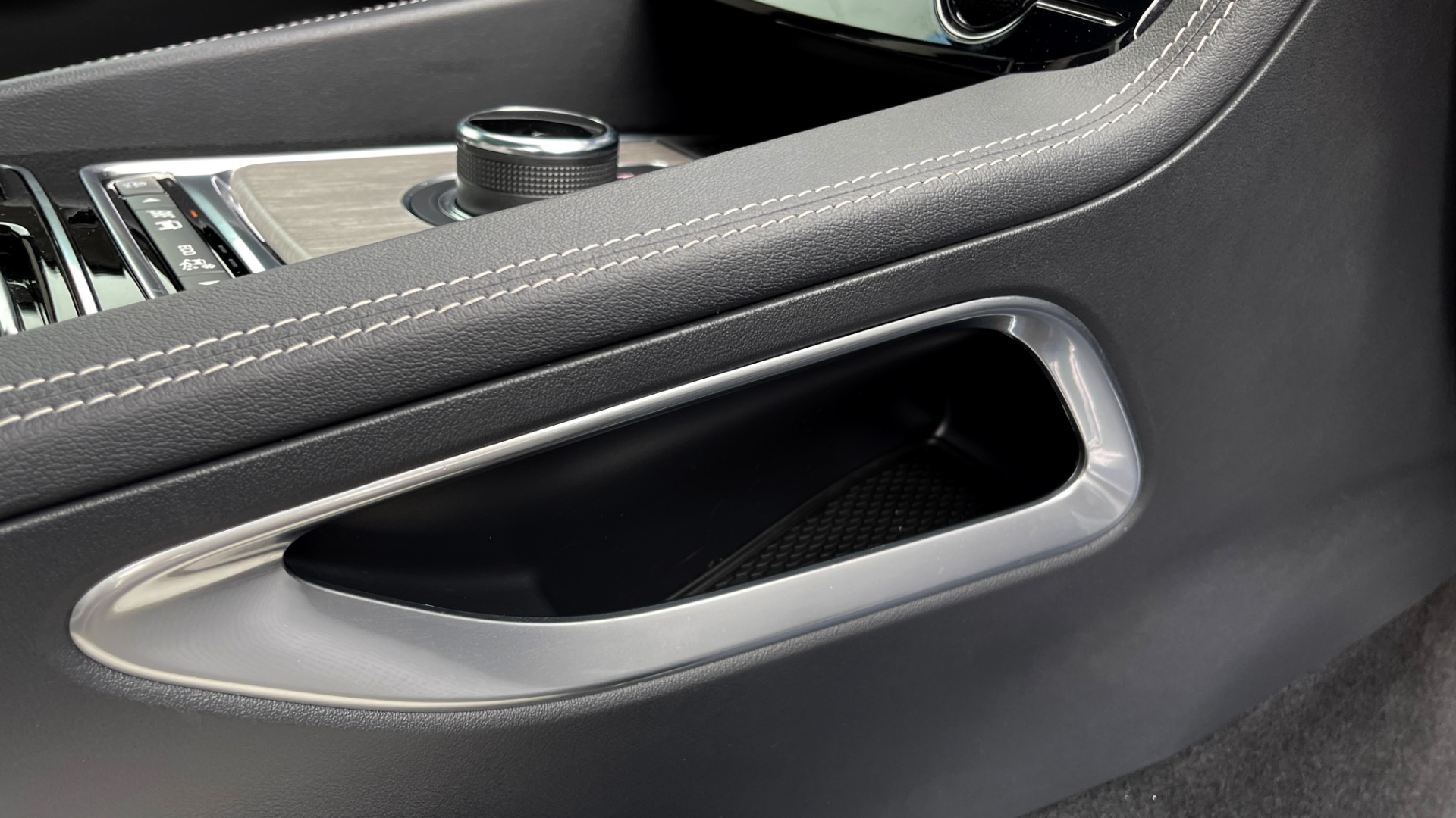 Used 2019 Jaguar F-PACE S / DRIVE PKG / BSA / HUD / BLACK EXT PKG / REARVIEW for sale $50,995 at Formula Imports in Charlotte NC 28227 66