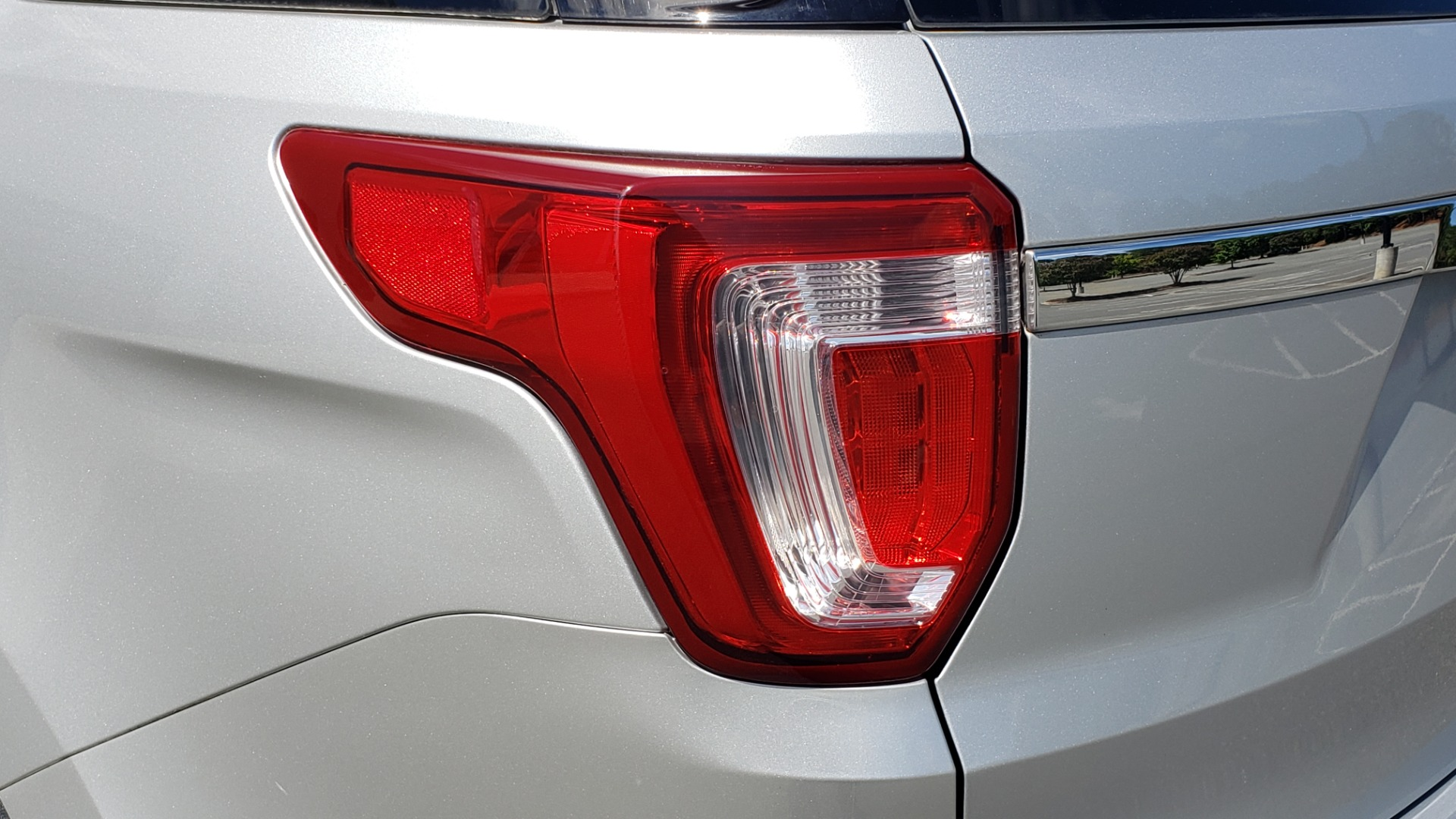 Used 2017 Ford EXPLORER 3.5L V6 / 6-SPD AUTO / BLIND SPOT MONITOR / 3-ROW / SYNC / REARVIEW for sale $22,995 at Formula Imports in Charlotte NC 28227 28