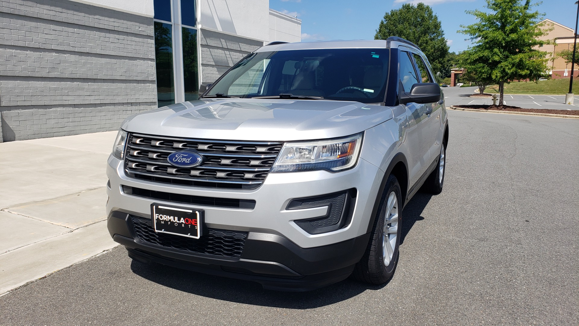 Used 2017 Ford EXPLORER 3.5L V6 / 6-SPD AUTO / BLIND SPOT MONITOR / 3-ROW / SYNC / REARVIEW for sale $22,995 at Formula Imports in Charlotte NC 28227 3