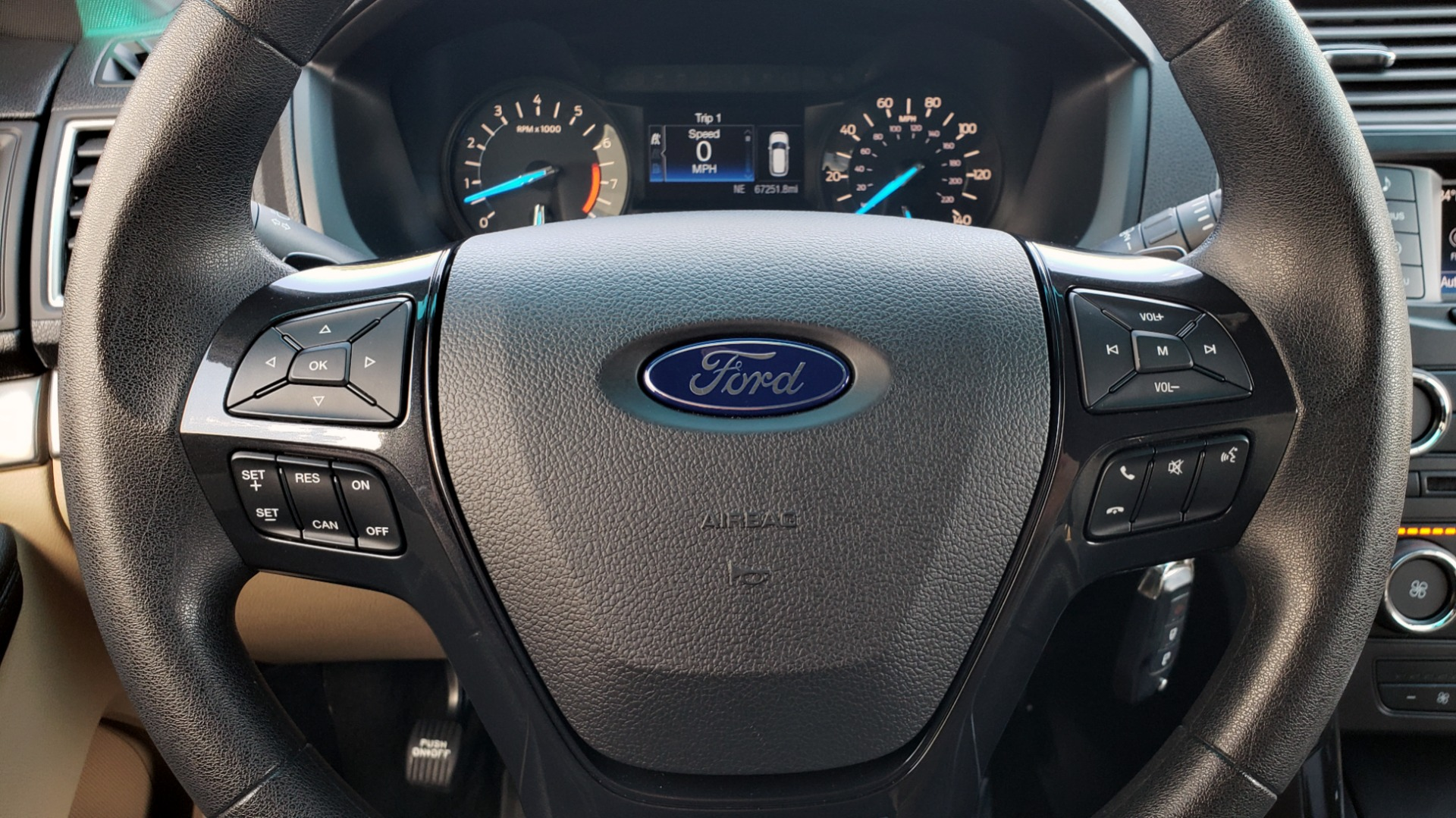 Used 2017 Ford EXPLORER 3.5L V6 / 6-SPD AUTO / BLIND SPOT MONITOR / 3-ROW / SYNC / REARVIEW for sale $22,995 at Formula Imports in Charlotte NC 28227 38