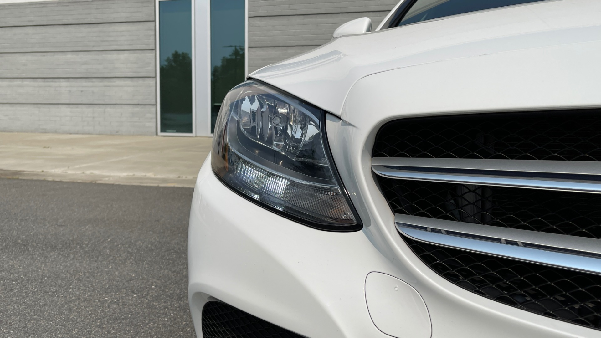 Used 2018 Mercedes-Benz C-Class C 300 4MATIC / PREMIUM / BURMESTER / HTD STS / SUNROOF / REARVIEW for sale $33,995 at Formula Imports in Charlotte NC 28227 12
