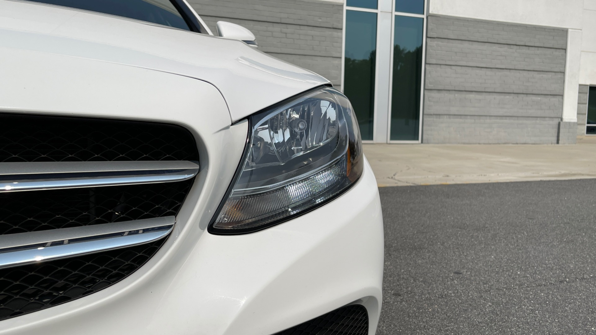 Used 2018 Mercedes-Benz C-Class C 300 4MATIC / PREMIUM / BURMESTER / HTD STS / SUNROOF / REARVIEW for sale $33,995 at Formula Imports in Charlotte NC 28227 13