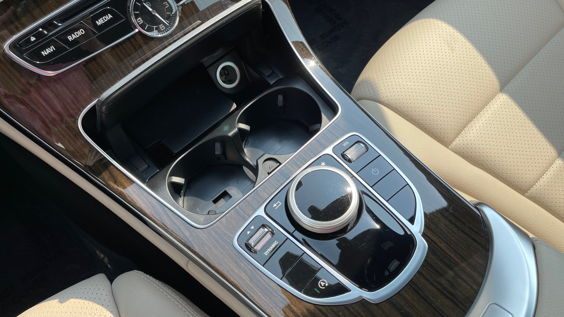 Used 2018 Mercedes-Benz C-Class C 300 4MATIC / PREMIUM / BURMESTER / HTD STS / SUNROOF / REARVIEW for sale $33,995 at Formula Imports in Charlotte NC 28227 38