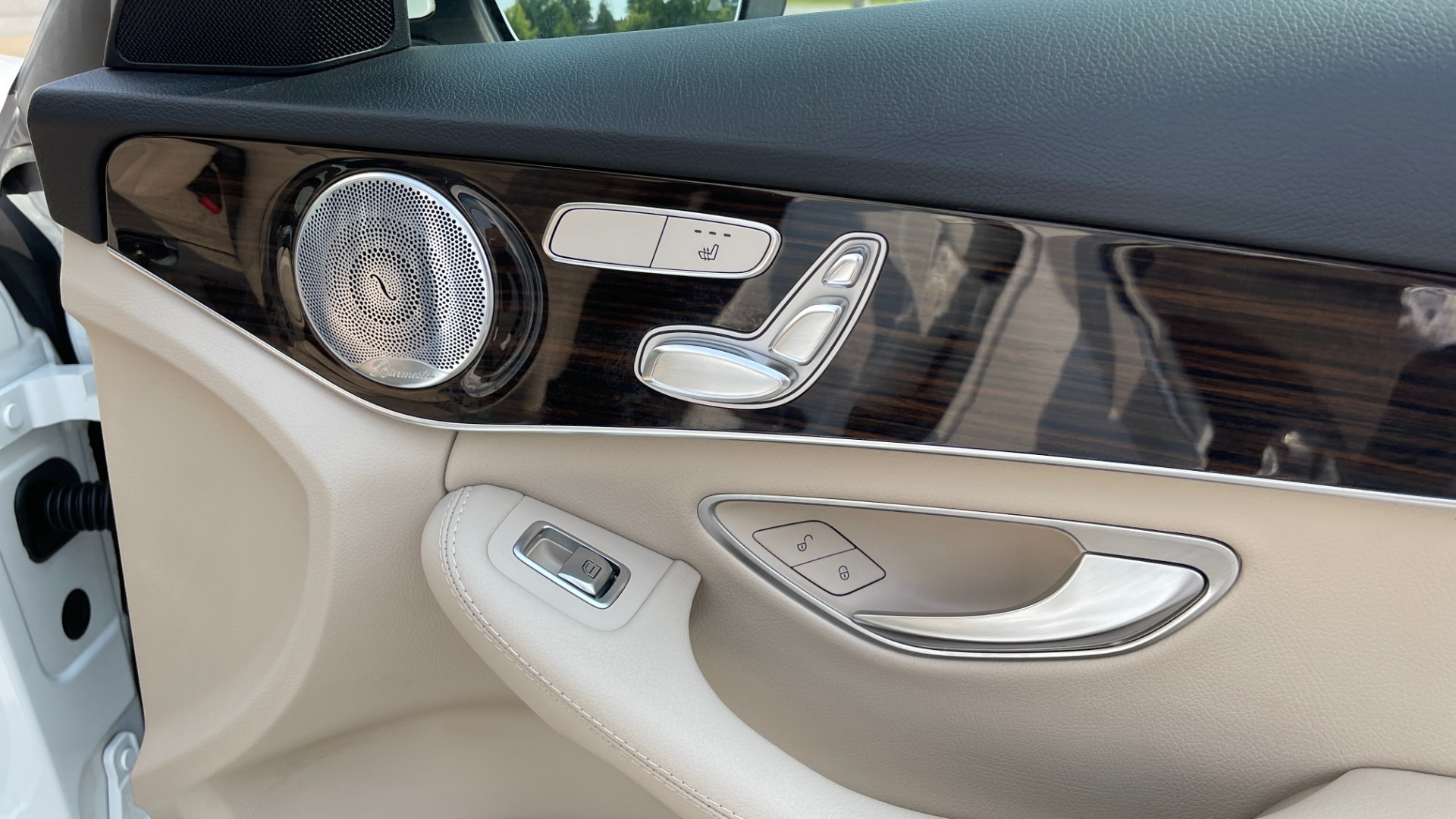 Used 2018 Mercedes-Benz C-Class C 300 4MATIC / PREMIUM / BURMESTER / HTD STS / SUNROOF / REARVIEW for sale $33,995 at Formula Imports in Charlotte NC 28227 55
