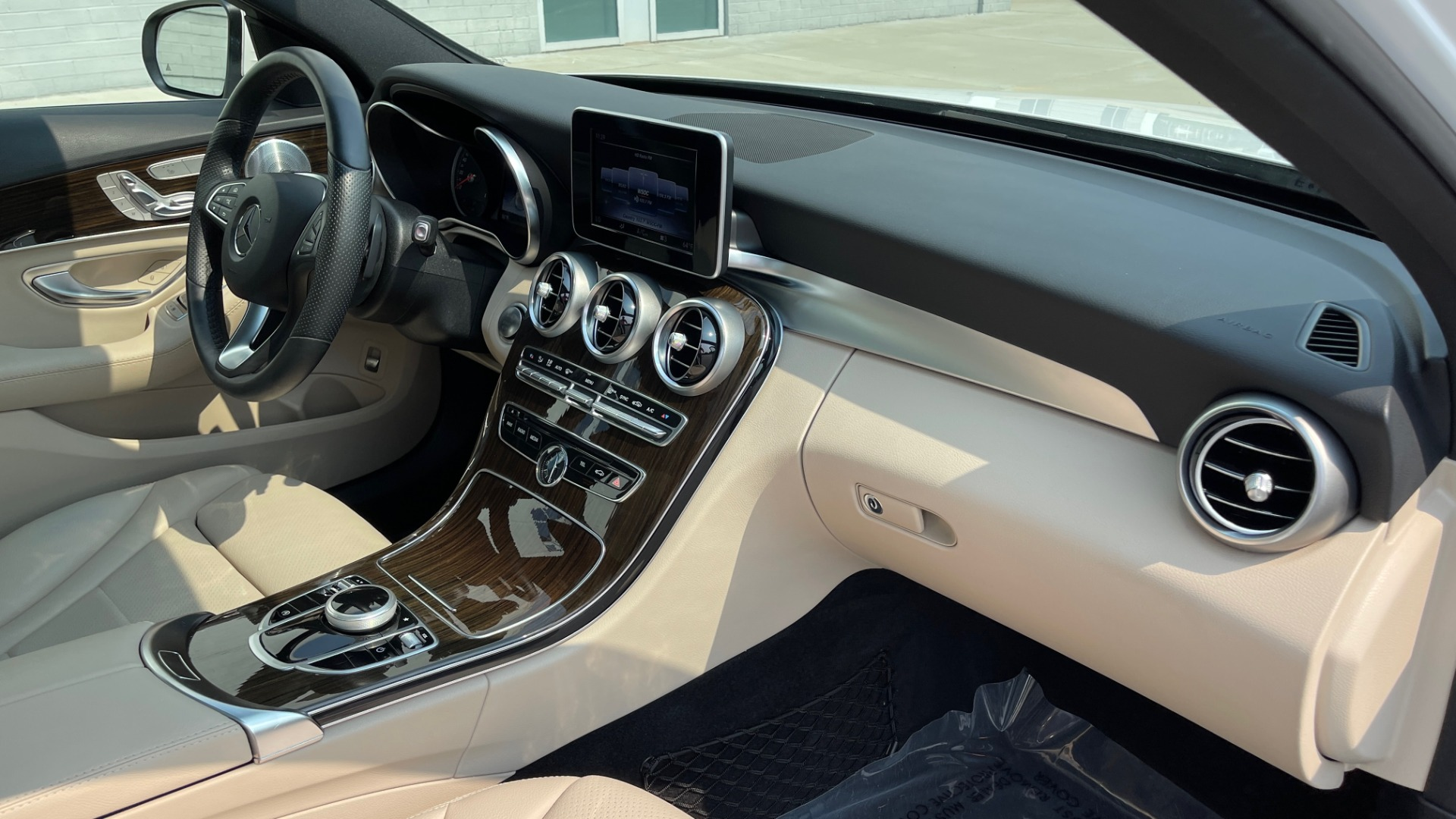 Used 2018 Mercedes-Benz C-Class C 300 4MATIC / PREMIUM / BURMESTER / HTD STS / SUNROOF / REARVIEW for sale $33,995 at Formula Imports in Charlotte NC 28227 56