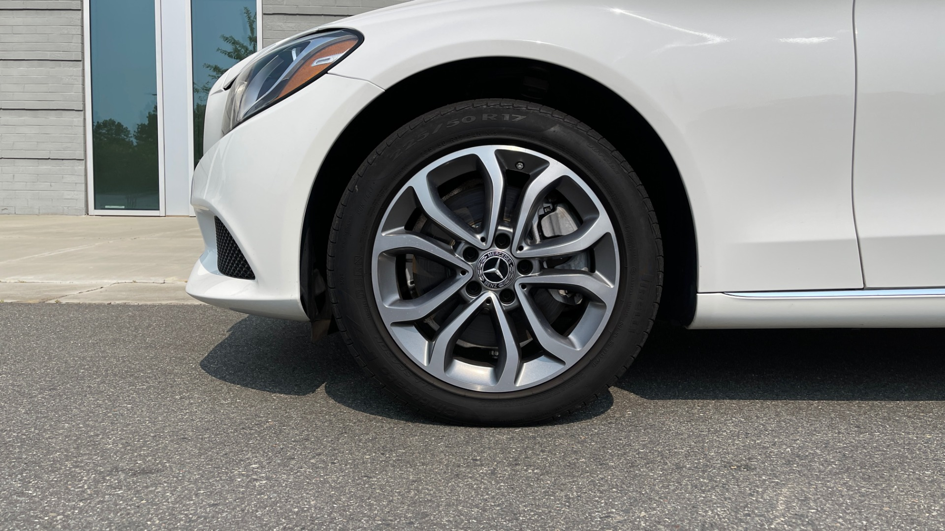 Used 2018 Mercedes-Benz C-Class C 300 4MATIC / PREMIUM / BURMESTER / HTD STS / SUNROOF / REARVIEW for sale $33,995 at Formula Imports in Charlotte NC 28227 59