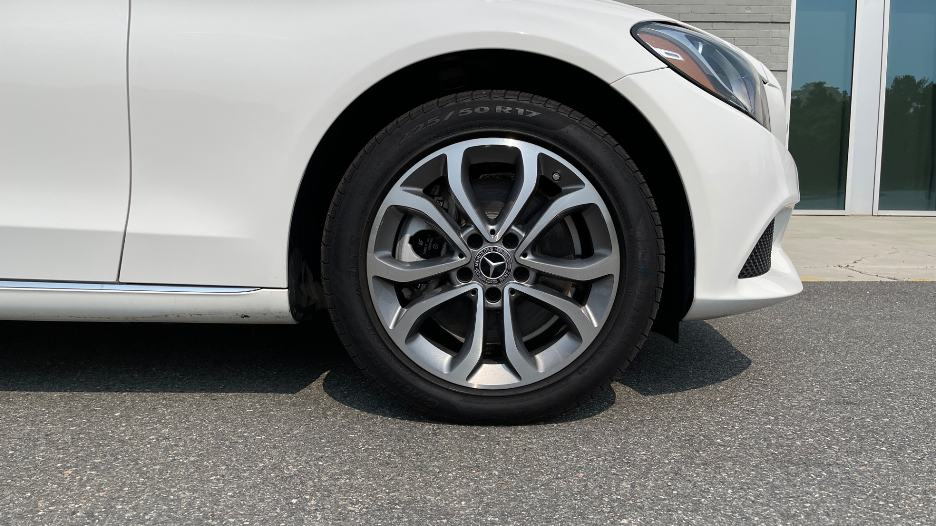 Used 2018 Mercedes-Benz C-Class C 300 4MATIC / PREMIUM / BURMESTER / HTD STS / SUNROOF / REARVIEW for sale $33,995 at Formula Imports in Charlotte NC 28227 62