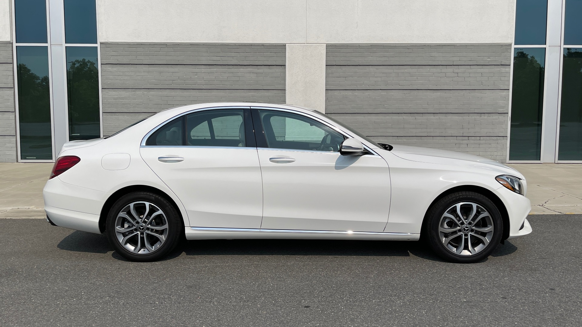 Used 2018 Mercedes-Benz C-Class C 300 4MATIC / PREMIUM / BURMESTER / HTD STS / SUNROOF / REARVIEW for sale $33,995 at Formula Imports in Charlotte NC 28227 7