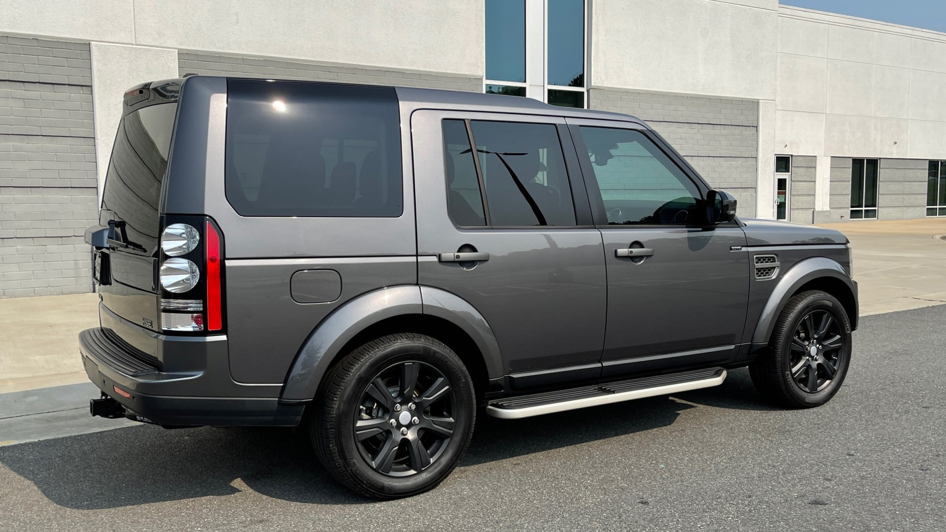 Used 2016 Land Rover LR4 HSE / NAV / SUNROOF / 3-ROW / MERIDIAN SOUND SYS / REARVIEW for sale $30,995 at Formula Imports in Charlotte NC 28227 2
