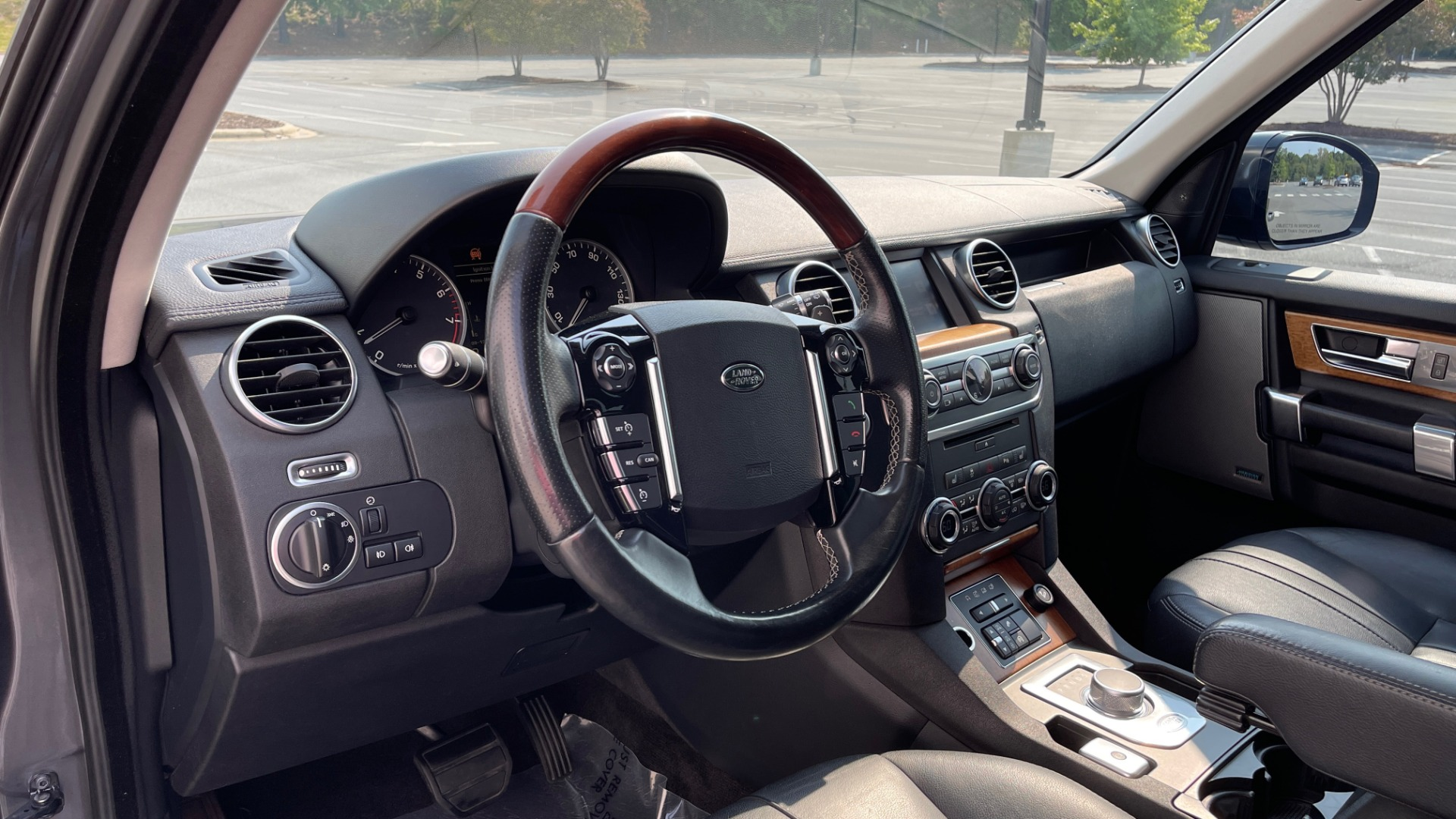Used 2016 Land Rover LR4 HSE / NAV / SUNROOF / 3-ROW / MERIDIAN SOUND SYS / REARVIEW for sale $30,995 at Formula Imports in Charlotte NC 28227 28