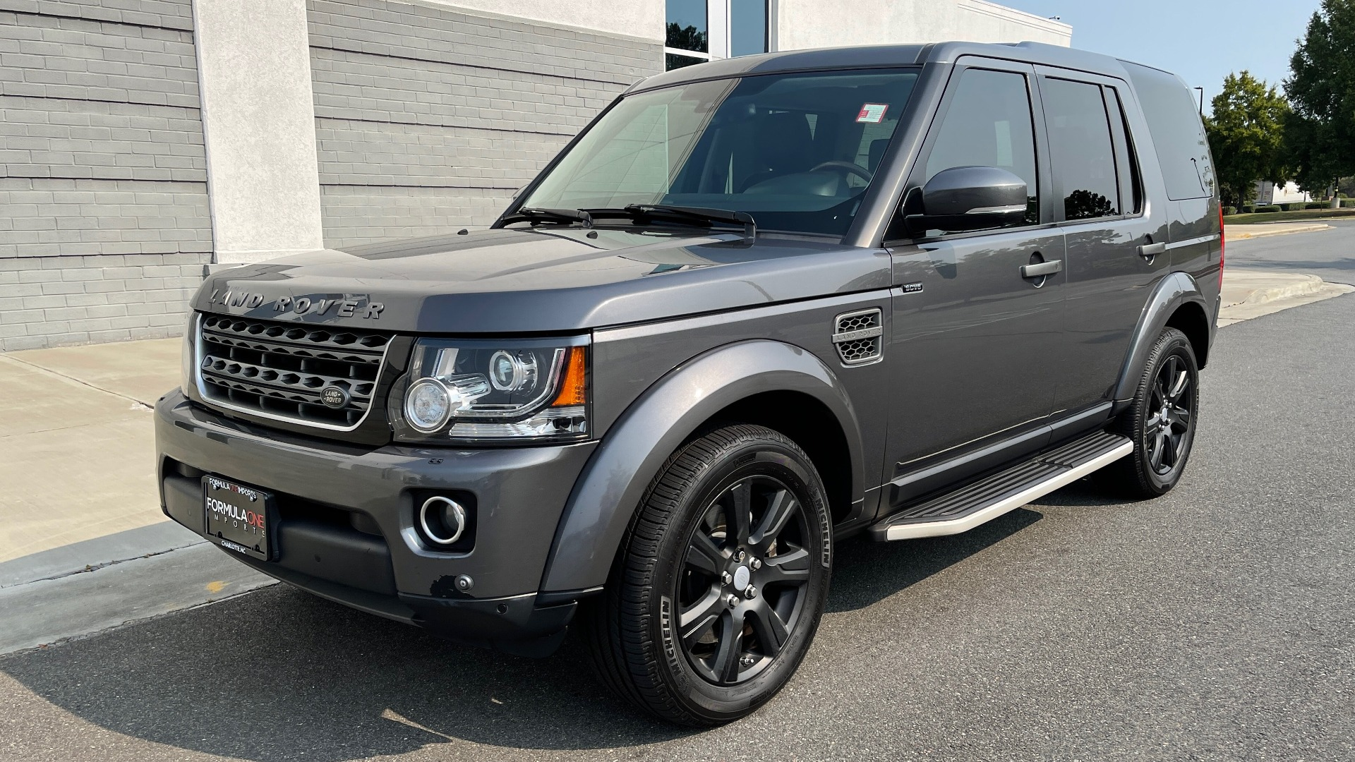 Used 2016 Land Rover LR4 HSE / NAV / SUNROOF / 3-ROW / MERIDIAN SOUND SYS / REARVIEW for sale $30,995 at Formula Imports in Charlotte NC 28227 3