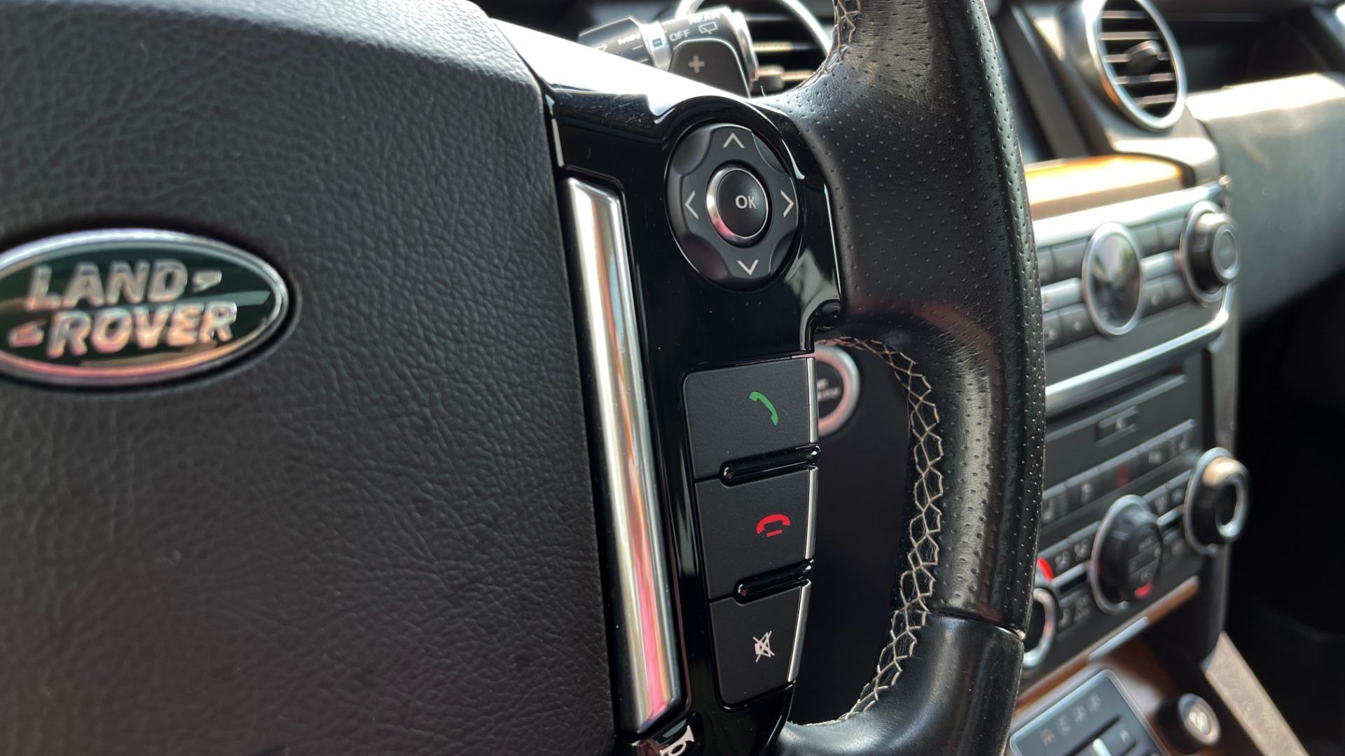 Used 2016 Land Rover LR4 HSE / NAV / SUNROOF / 3-ROW / MERIDIAN SOUND SYS / REARVIEW for sale $30,995 at Formula Imports in Charlotte NC 28227 32