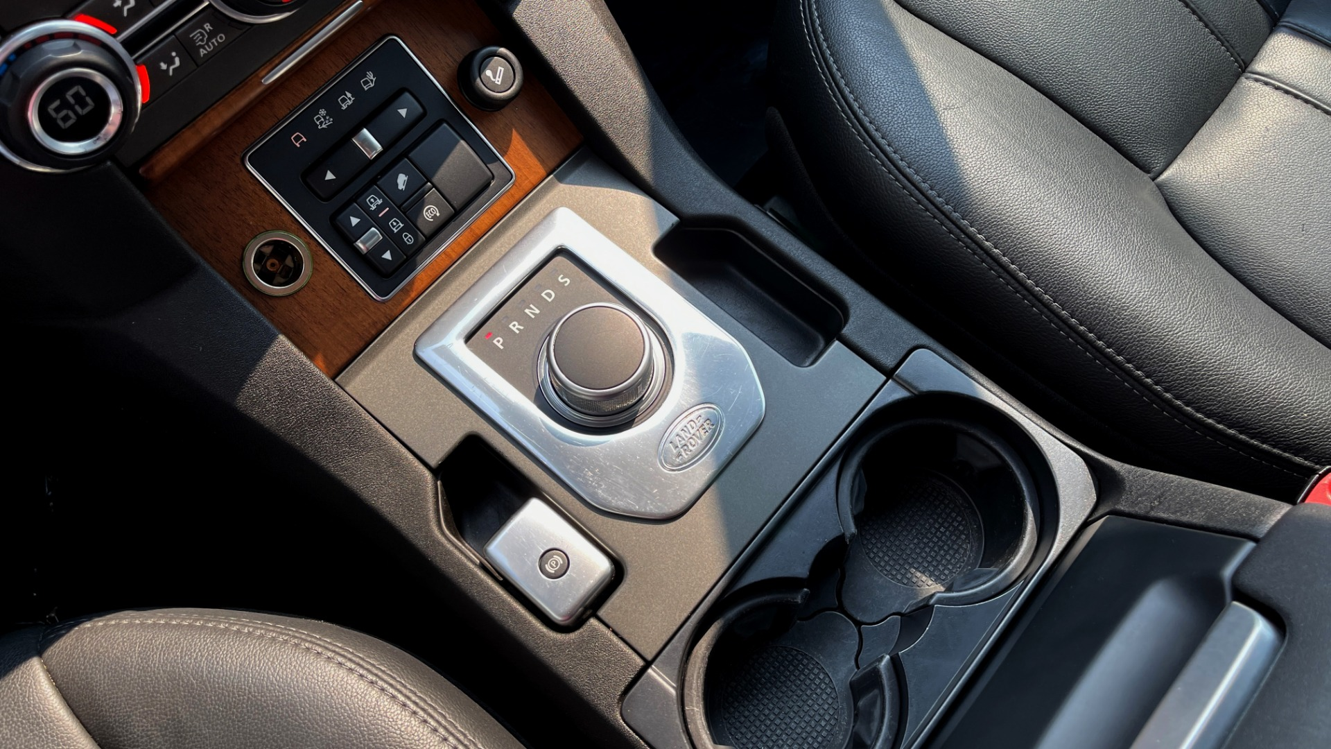 Used 2016 Land Rover LR4 HSE / NAV / SUNROOF / 3-ROW / MERIDIAN SOUND SYS / REARVIEW for sale $30,995 at Formula Imports in Charlotte NC 28227 36