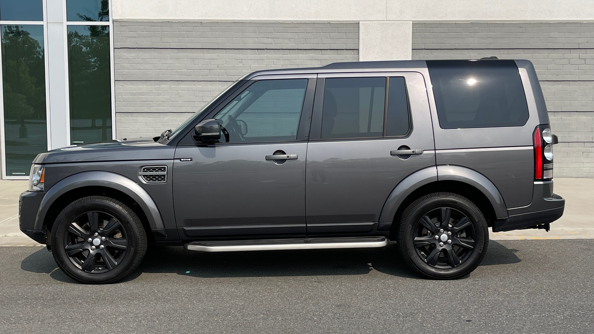 Used 2016 Land Rover LR4 HSE / NAV / SUNROOF / 3-ROW / MERIDIAN SOUND SYS / REARVIEW for sale $30,995 at Formula Imports in Charlotte NC 28227 4