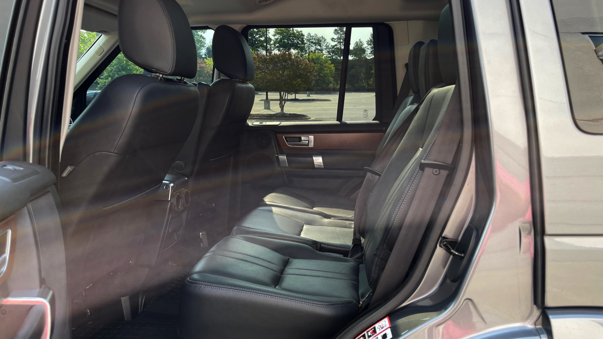 Used 2016 Land Rover LR4 HSE / NAV / SUNROOF / 3-ROW / MERIDIAN SOUND SYS / REARVIEW for sale $30,995 at Formula Imports in Charlotte NC 28227 44