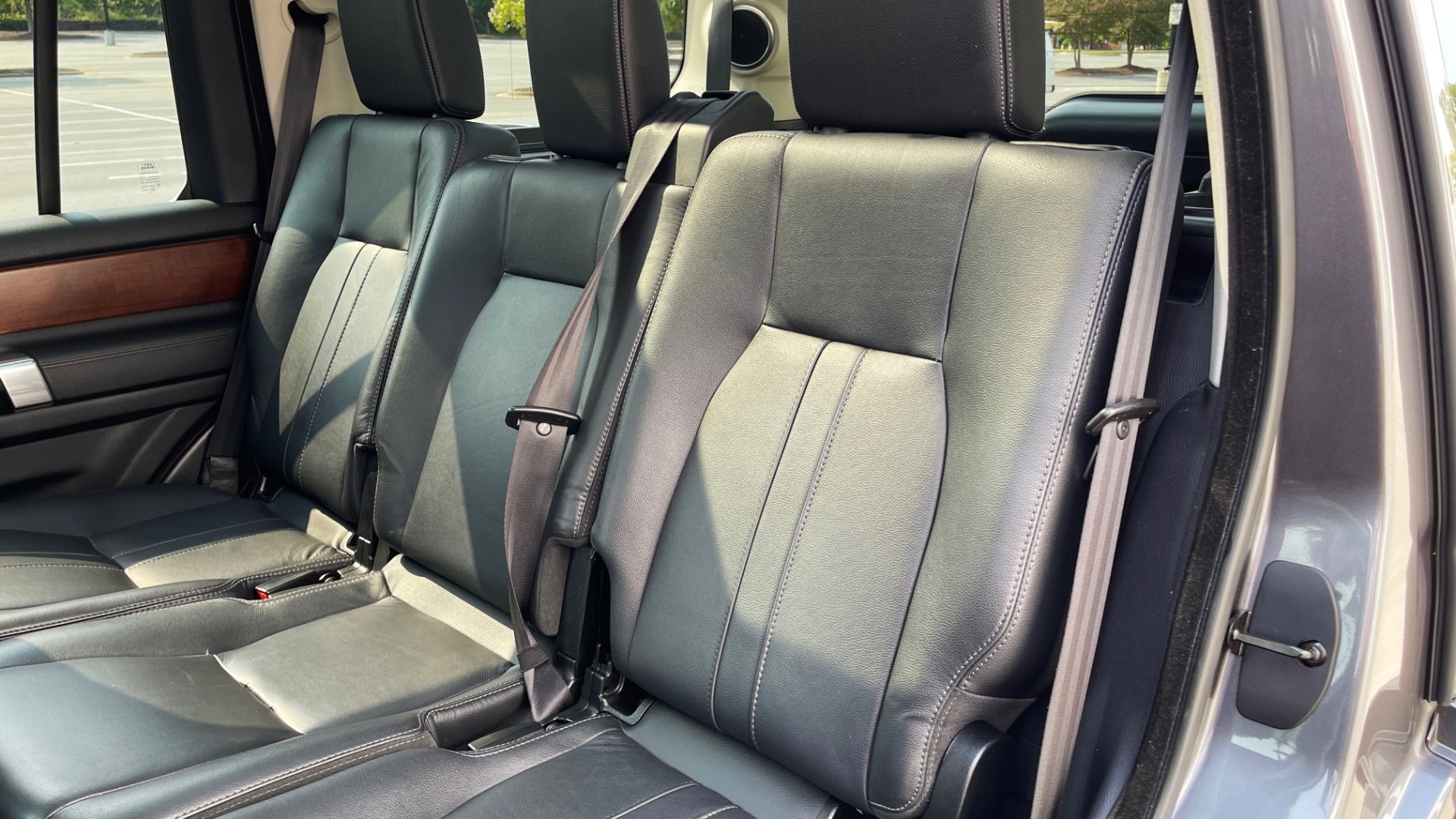 Used 2016 Land Rover LR4 HSE / NAV / SUNROOF / 3-ROW / MERIDIAN SOUND SYS / REARVIEW for sale $30,995 at Formula Imports in Charlotte NC 28227 45