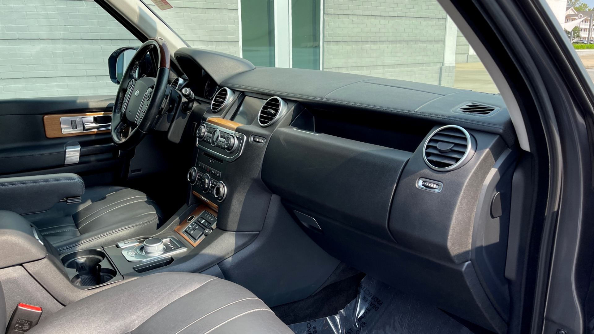Used 2016 Land Rover LR4 HSE / NAV / SUNROOF / 3-ROW / MERIDIAN SOUND SYS / REARVIEW for sale $30,995 at Formula Imports in Charlotte NC 28227 54