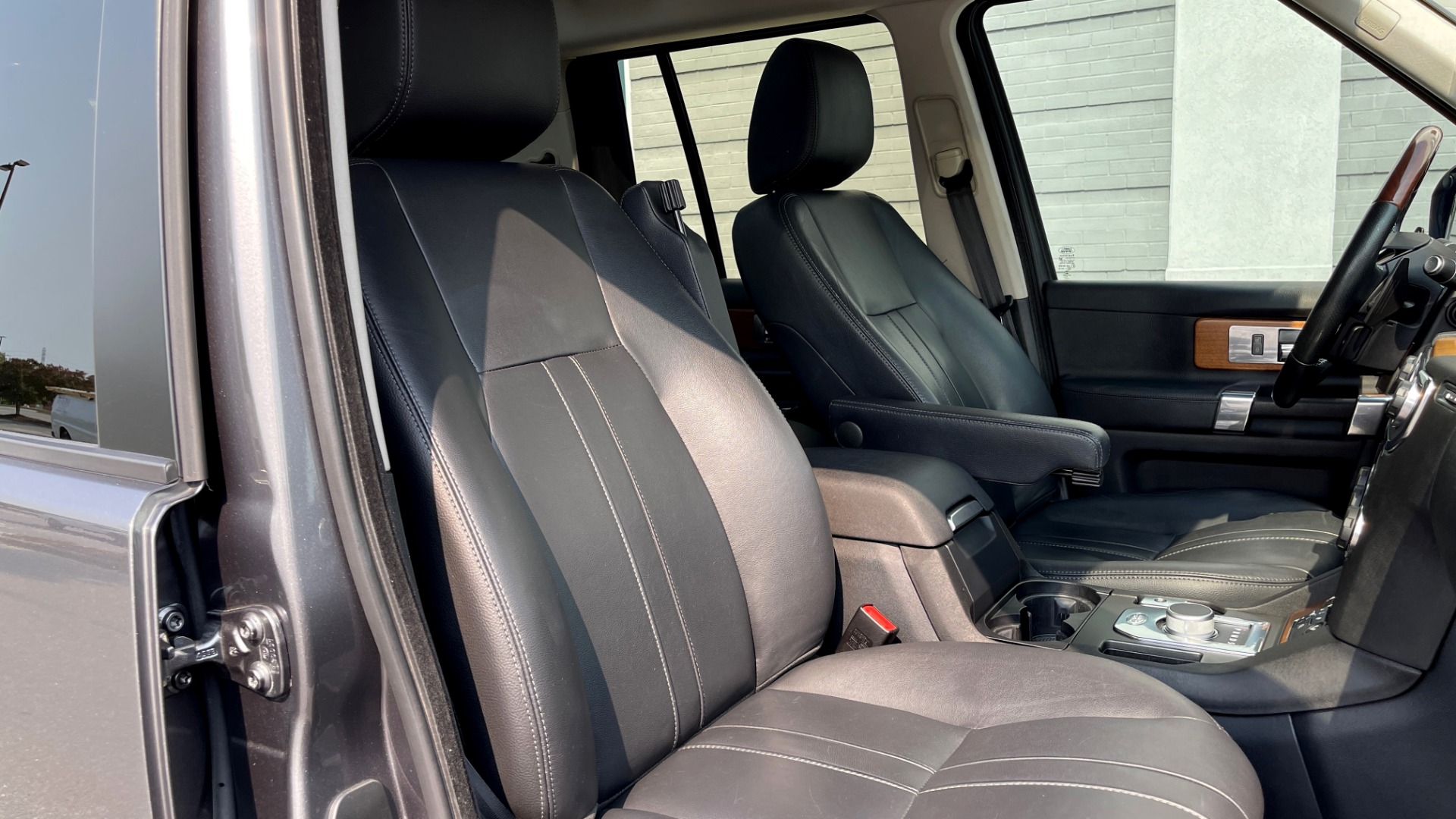Used 2016 Land Rover LR4 HSE / NAV / SUNROOF / 3-ROW / MERIDIAN SOUND SYS / REARVIEW for sale $30,995 at Formula Imports in Charlotte NC 28227 55