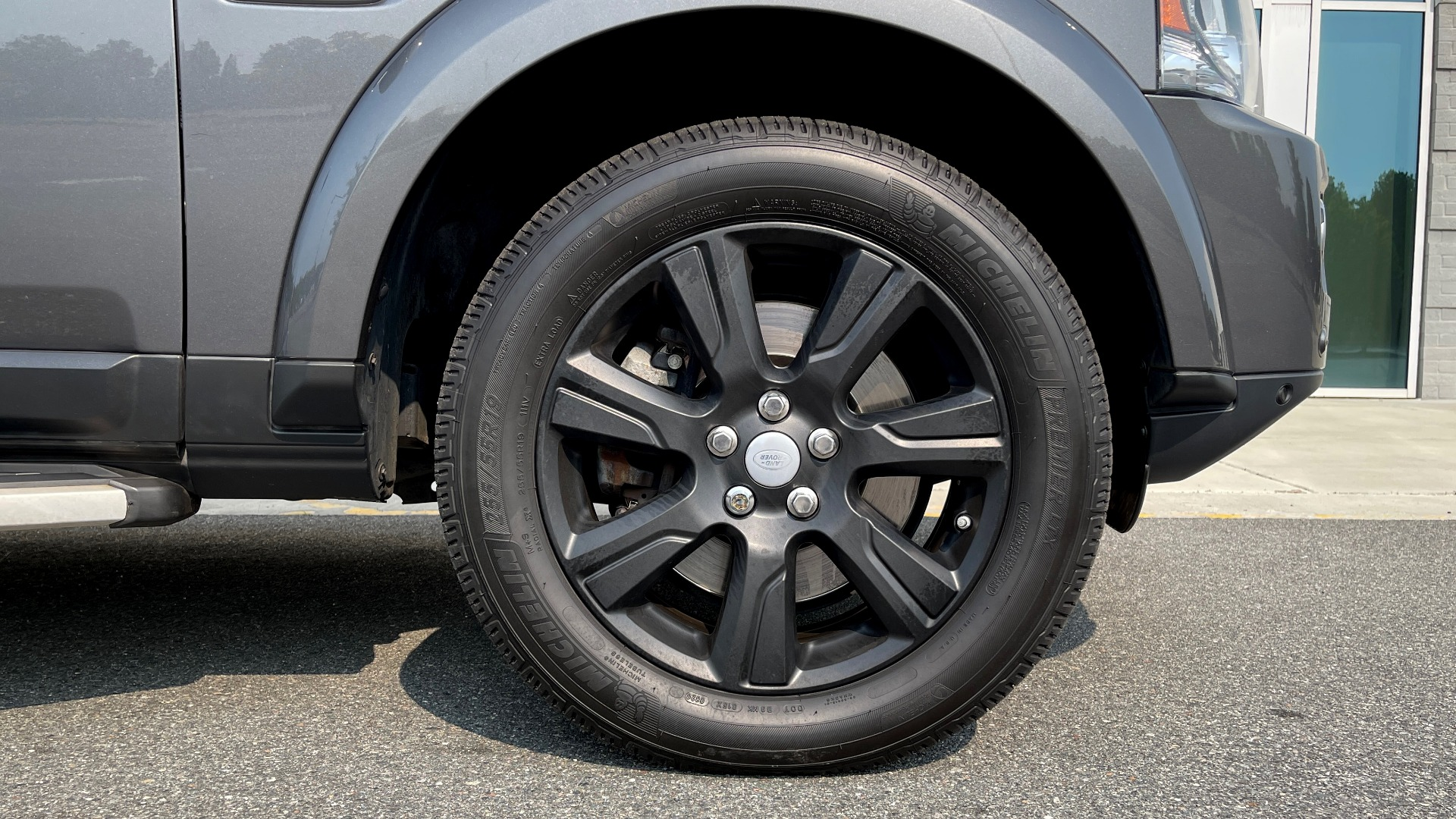 Used 2016 Land Rover LR4 HSE / NAV / SUNROOF / 3-ROW / MERIDIAN SOUND SYS / REARVIEW for sale $30,995 at Formula Imports in Charlotte NC 28227 62