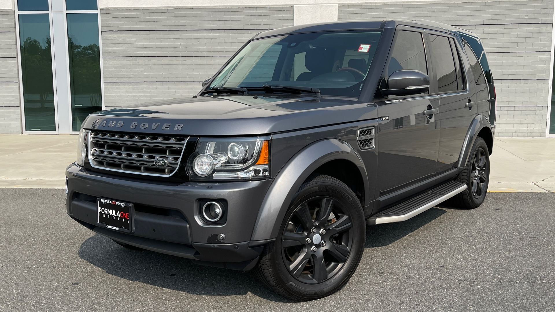 Used 2016 Land Rover LR4 HSE / NAV / SUNROOF / 3-ROW / MERIDIAN SOUND SYS / REARVIEW for sale $30,995 at Formula Imports in Charlotte NC 28227 1