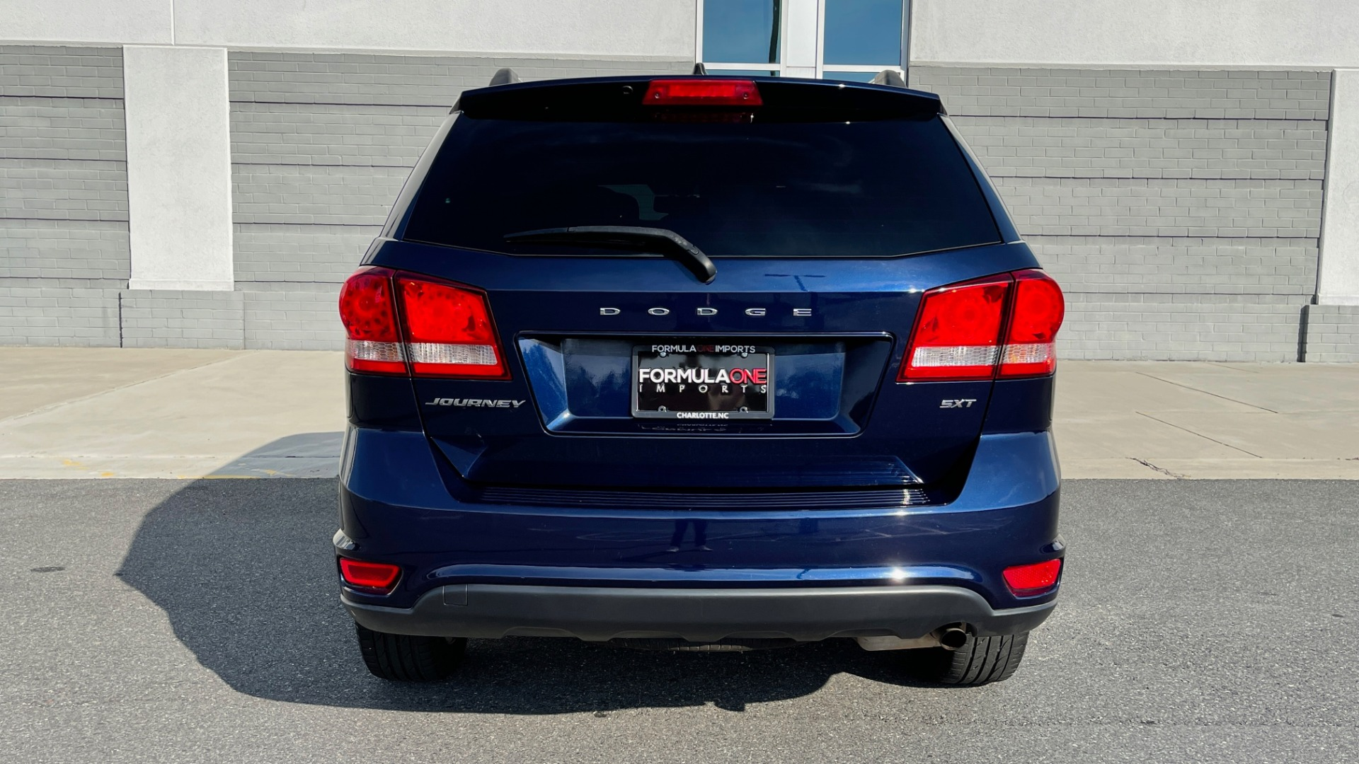 Used 2017 Dodge JOURNEY SXT PREMIUM / 2.4L / 4-SPD AUTO / KEYLESS-GO / 3-ROW / 19IN WHEELS for sale $15,995 at Formula Imports in Charlotte NC 28227 20