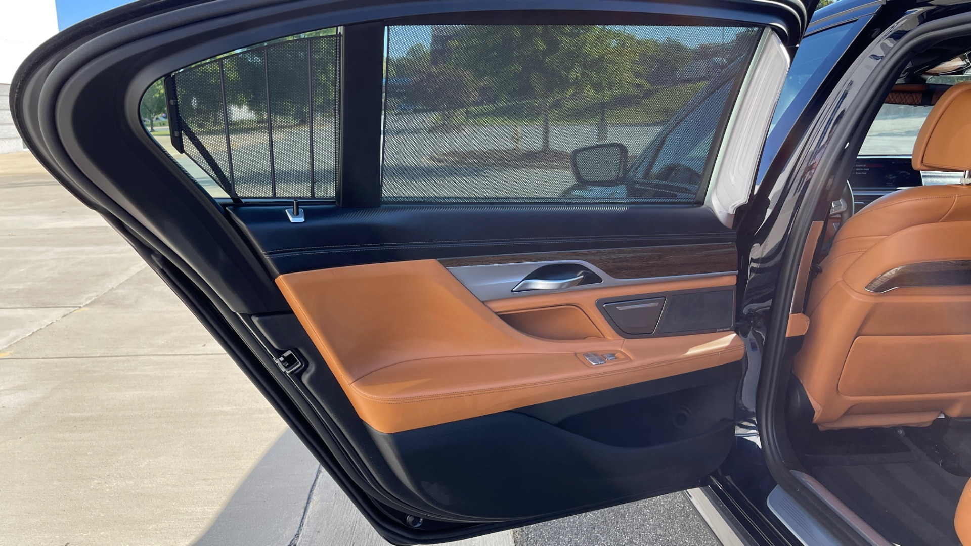 Used 2019 BMW 7 SERIES 750I XDRIVE M-SPORT / EXEC PKG / DRVR ASST PLUS / CLD WTHR / PAR for sale $60,995 at Formula Imports in Charlotte NC 28227 42
