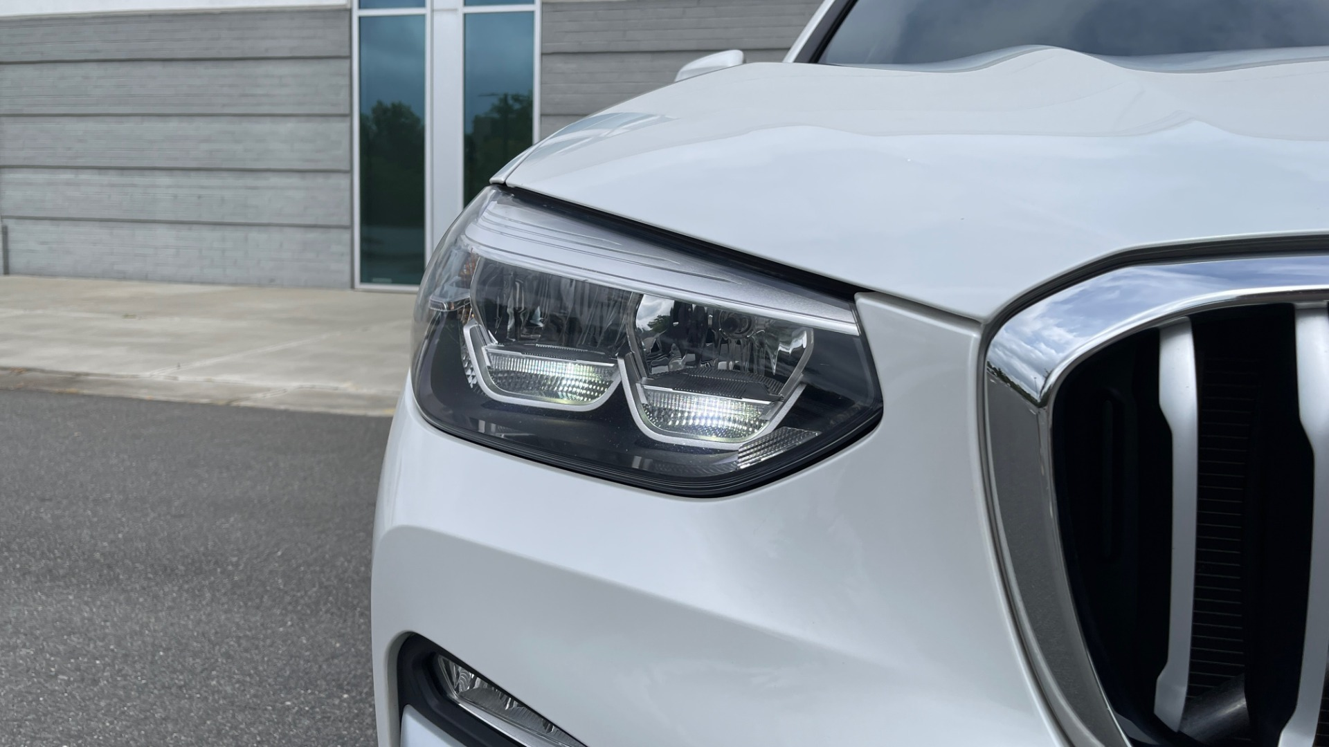 Used 2018 BMW X3 XDRIVE30I / NAV / PANO-ROOF / HTD STS / PARK DIST CNTRL / REARVIEW for sale $38,995 at Formula Imports in Charlotte NC 28227 12