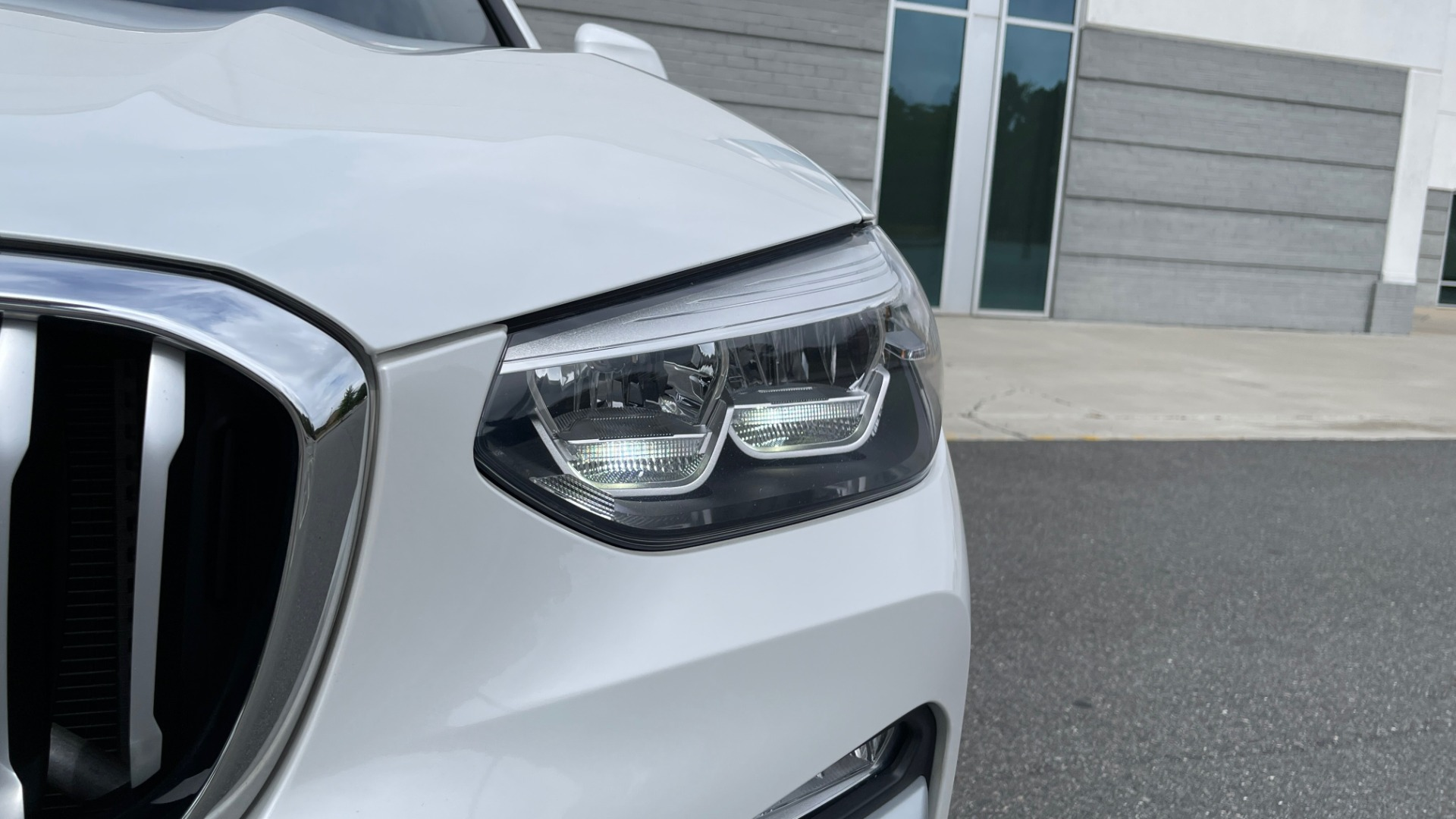 Used 2018 BMW X3 XDRIVE30I / NAV / PANO-ROOF / HTD STS / PARK DIST CNTRL / REARVIEW for sale $38,995 at Formula Imports in Charlotte NC 28227 13