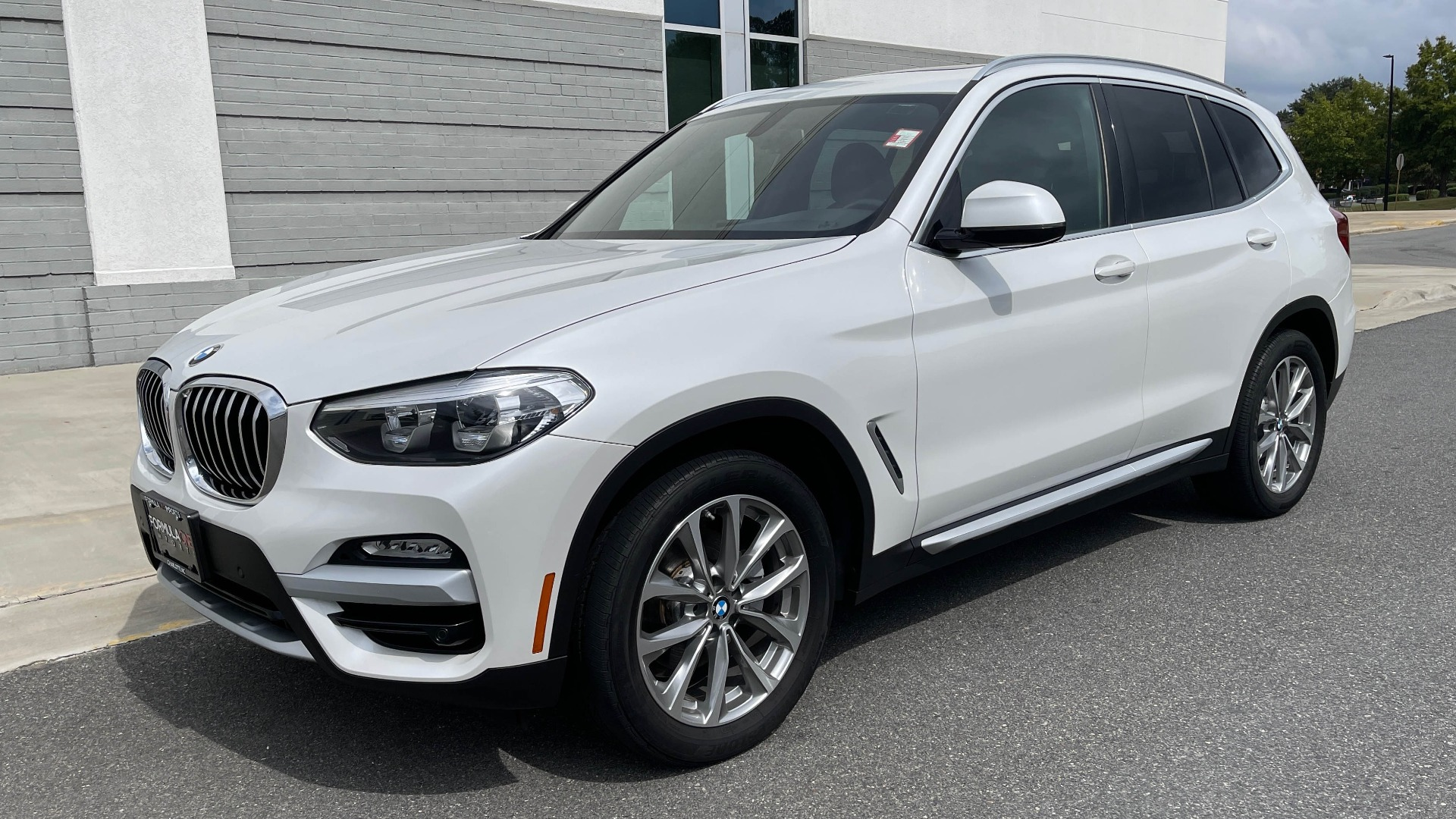 Used 2018 BMW X3 XDRIVE30I / NAV / PANO-ROOF / HTD STS / PARK DIST CNTRL / REARVIEW for sale $38,995 at Formula Imports in Charlotte NC 28227 2