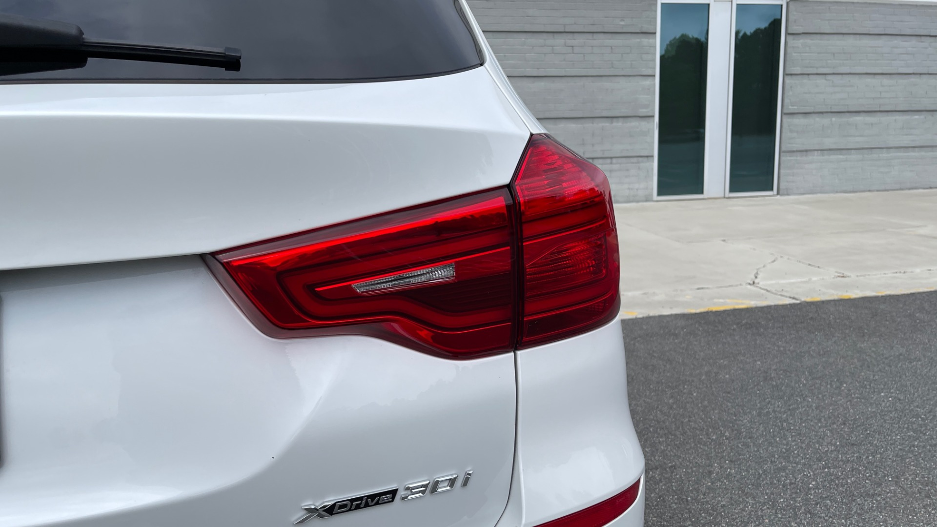 Used 2018 BMW X3 XDRIVE30I / NAV / PANO-ROOF / HTD STS / PARK DIST CNTRL / REARVIEW for sale $38,995 at Formula Imports in Charlotte NC 28227 24