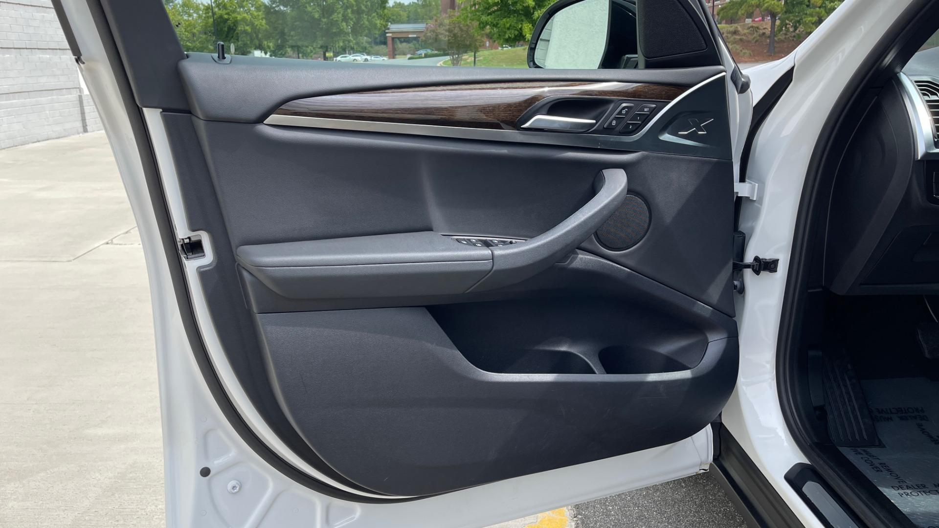 Used 2018 BMW X3 XDRIVE30I / NAV / PANO-ROOF / HTD STS / PARK DIST CNTRL / REARVIEW for sale $38,995 at Formula Imports in Charlotte NC 28227 25