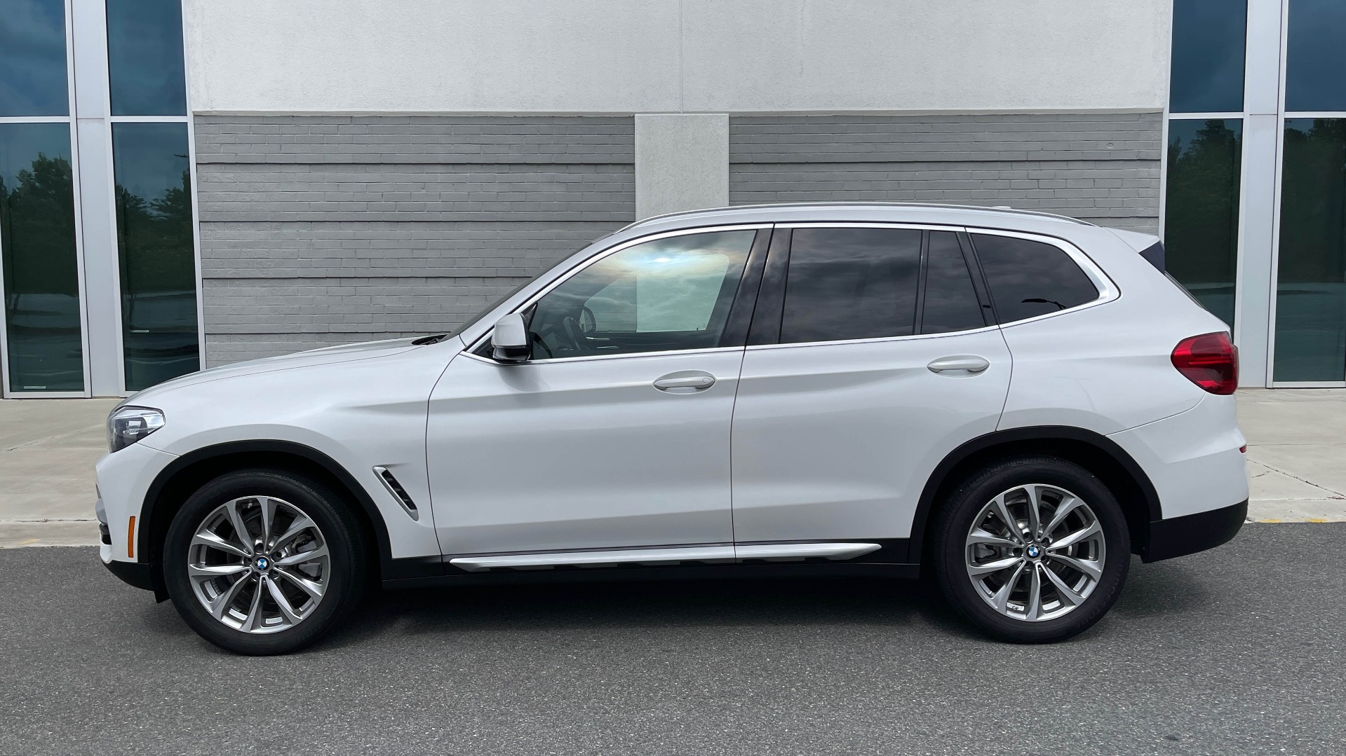 Used 2018 BMW X3 XDRIVE30I / NAV / PANO-ROOF / HTD STS / PARK DIST CNTRL / REARVIEW for sale $38,995 at Formula Imports in Charlotte NC 28227 3