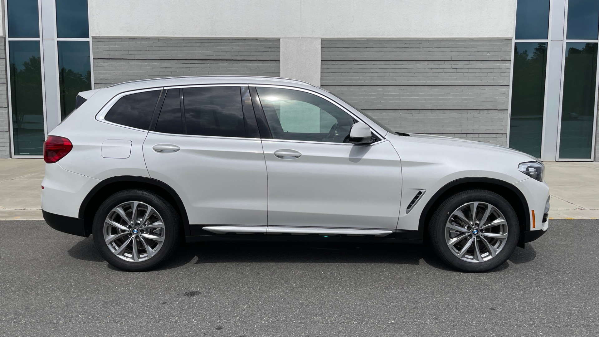 Used 2018 BMW X3 XDRIVE30I / NAV / PANO-ROOF / HTD STS / PARK DIST CNTRL / REARVIEW for sale $38,995 at Formula Imports in Charlotte NC 28227 6