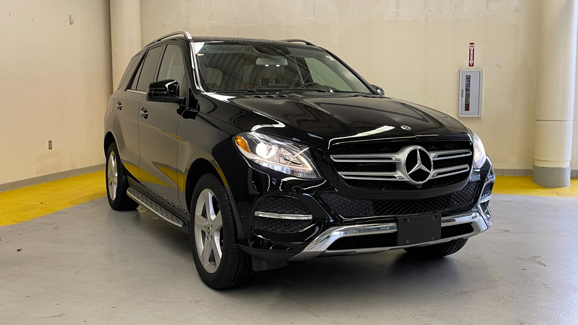Used 2018 Mercedes-Benz GLE 350 4MATIC PREMIUM / NAV / PARK PILOT / BSA / H/K SND / SURROUND VIEW for sale $40,995 at Formula Imports in Charlotte NC 28227 2
