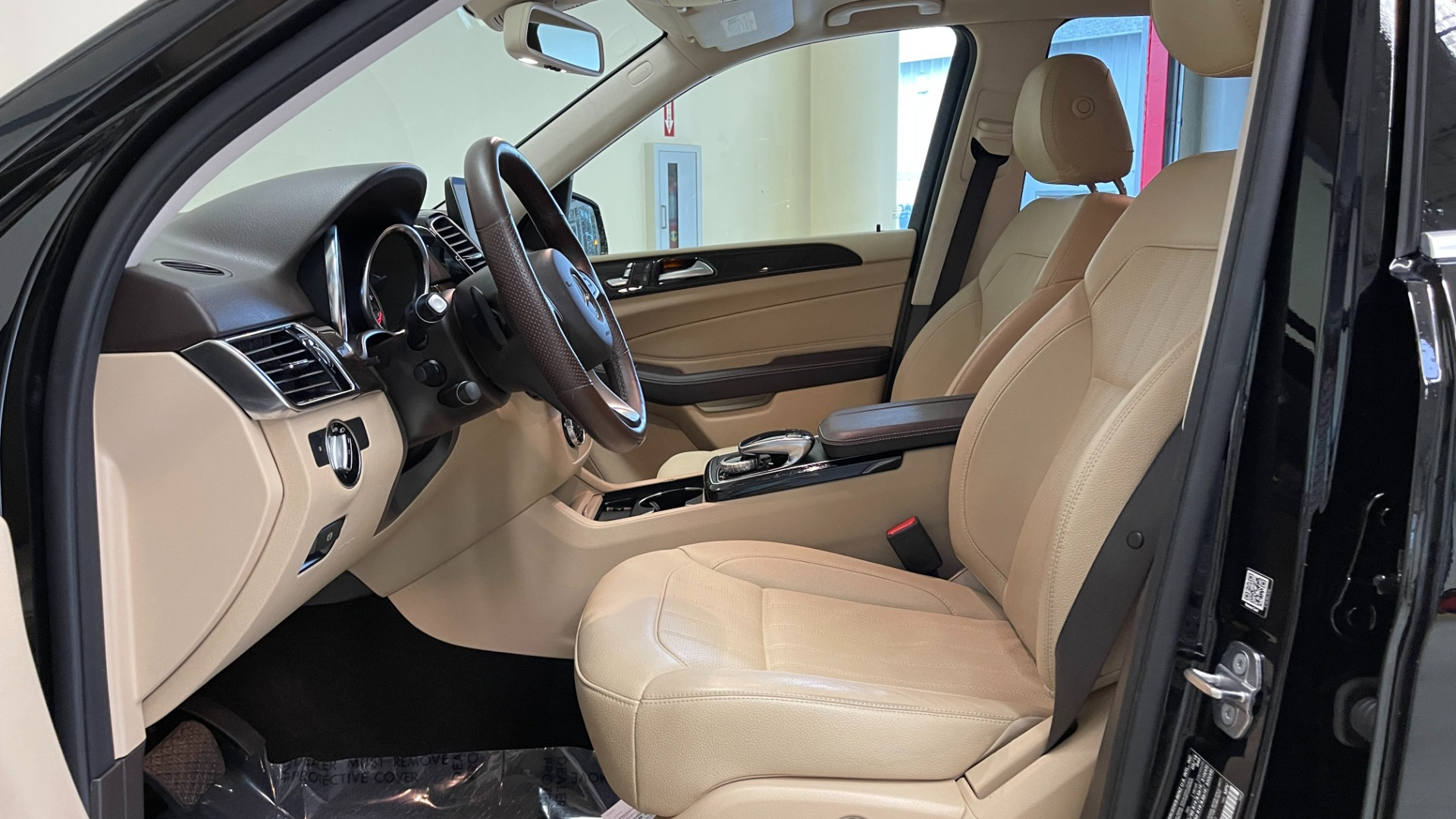 Used 2018 Mercedes-Benz GLE 350 4MATIC PREMIUM / NAV / PARK PILOT / BSA / H/K SND / SURROUND VIEW for sale $40,995 at Formula Imports in Charlotte NC 28227 27