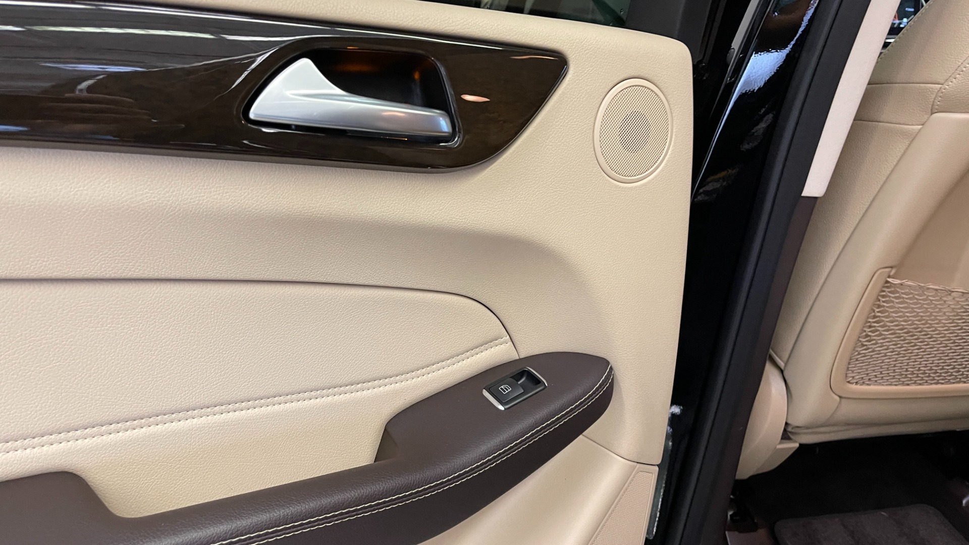 Used 2018 Mercedes-Benz GLE 350 4MATIC PREMIUM / NAV / PARK PILOT / BSA / H/K SND / SURROUND VIEW for sale $40,995 at Formula Imports in Charlotte NC 28227 46