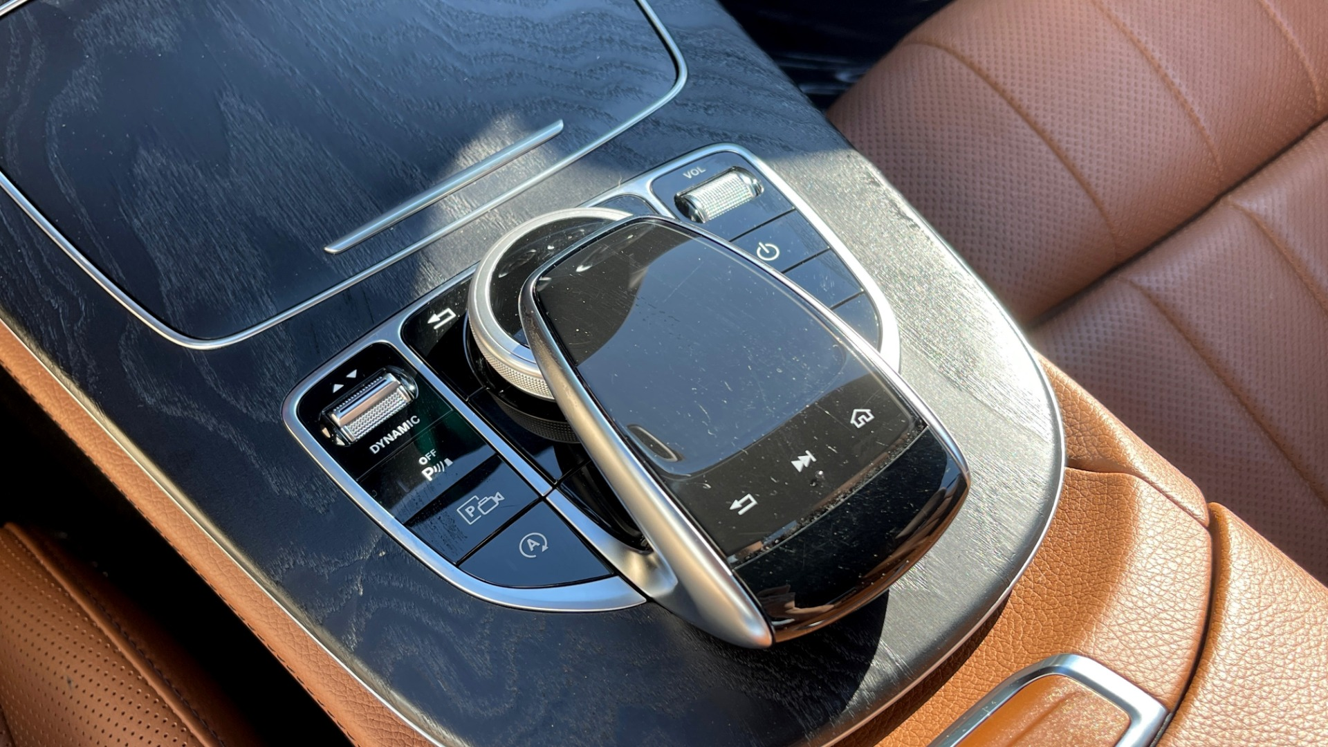 Used 2019 Mercedes-Benz E-CLASS E 450 PREMIUM / AMG LINE / PARK ASST / BSA / BURMESTER for sale $49,995 at Formula Imports in Charlotte NC 28227 41