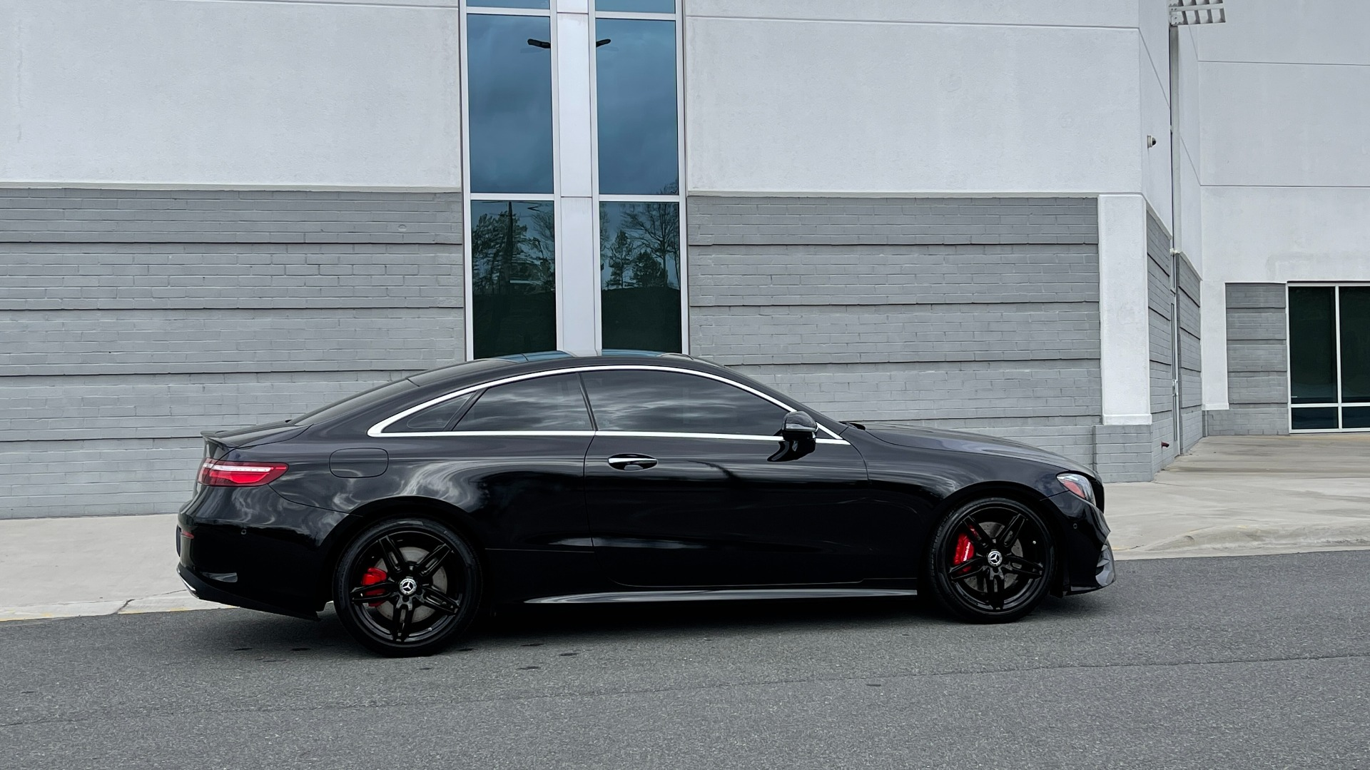 Used 2019 Mercedes-Benz E-CLASS E 450 PREMIUM / AMG LINE / PARK ASST / BSA / BURMESTER for sale $49,995 at Formula Imports in Charlotte NC 28227 7
